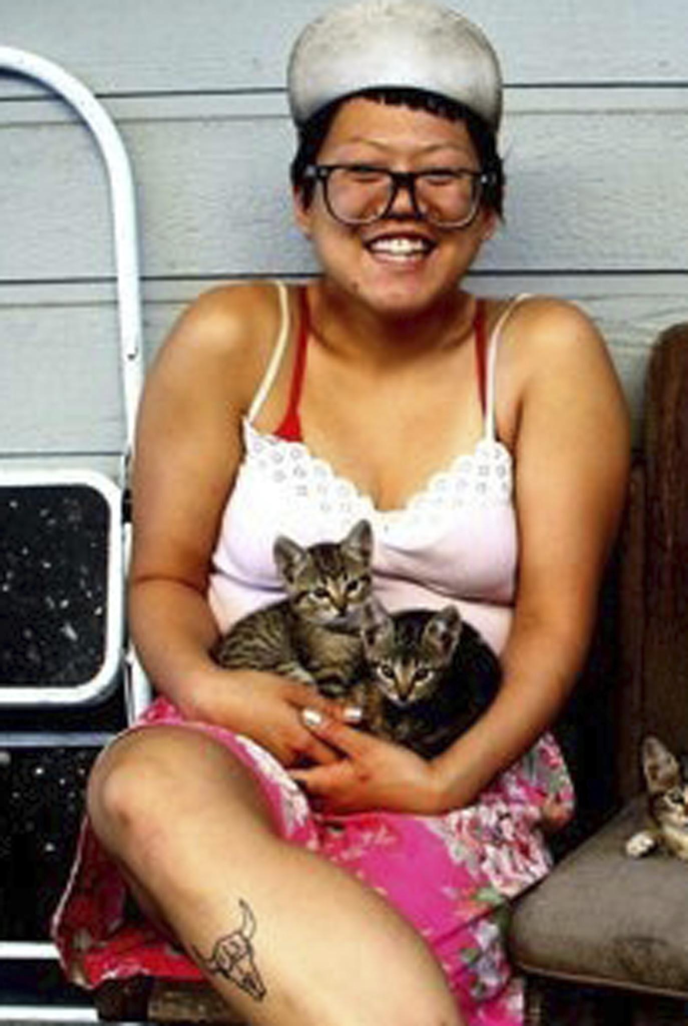 Ara Christina Jo, 29