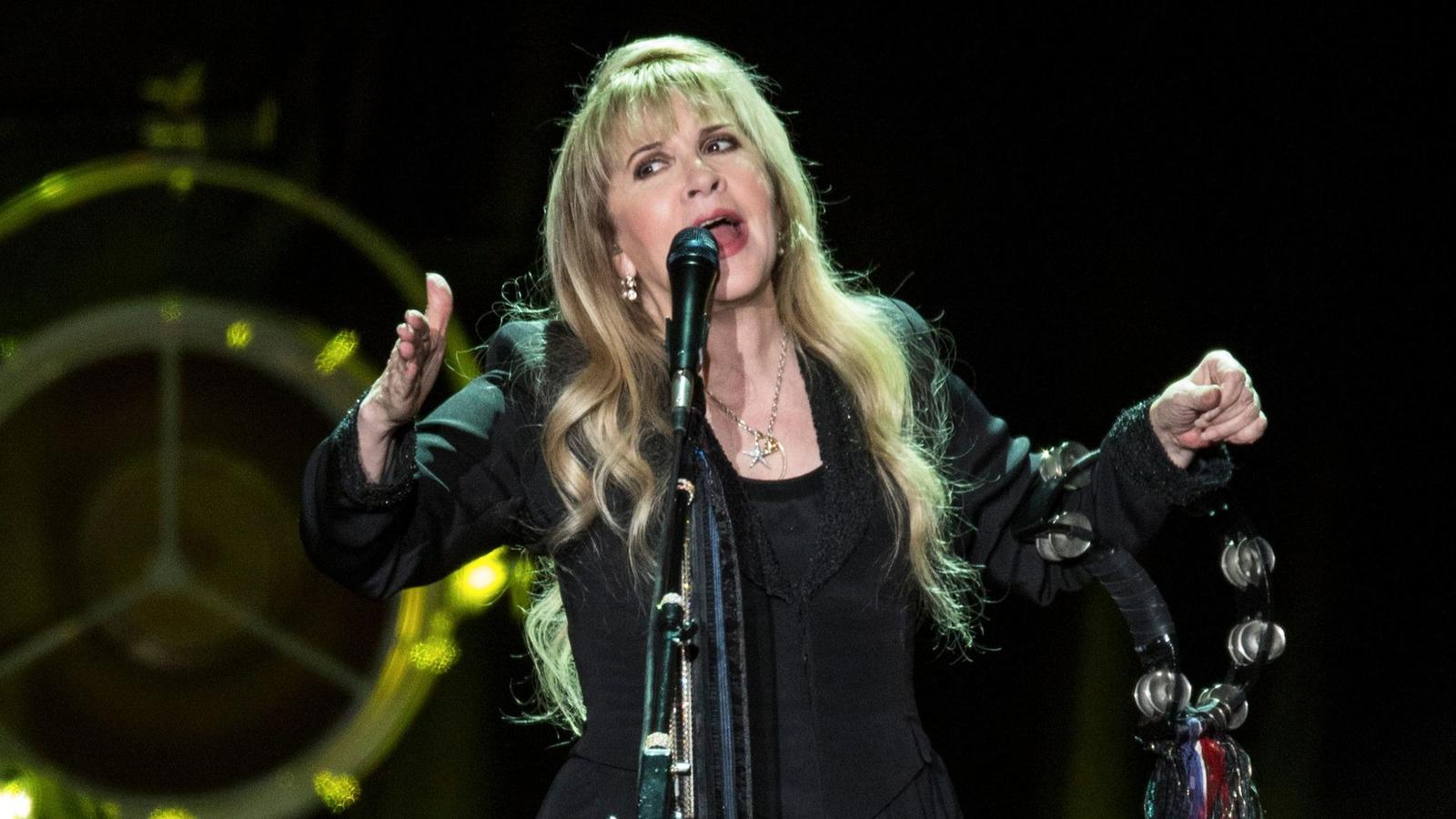 Stevie Nicks Opens A 'Gothic Trunk' of Lost Songs at the Forum