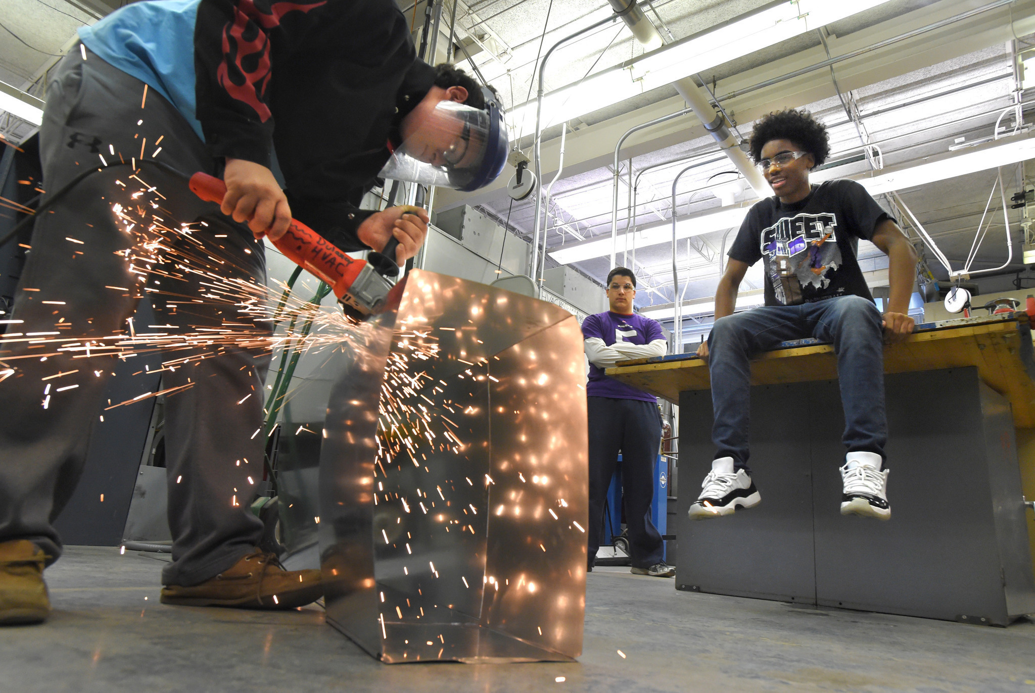 Hvac Program At Dulaney High Introduces Students To A Thriving Trade Drawing Baltimore Sun