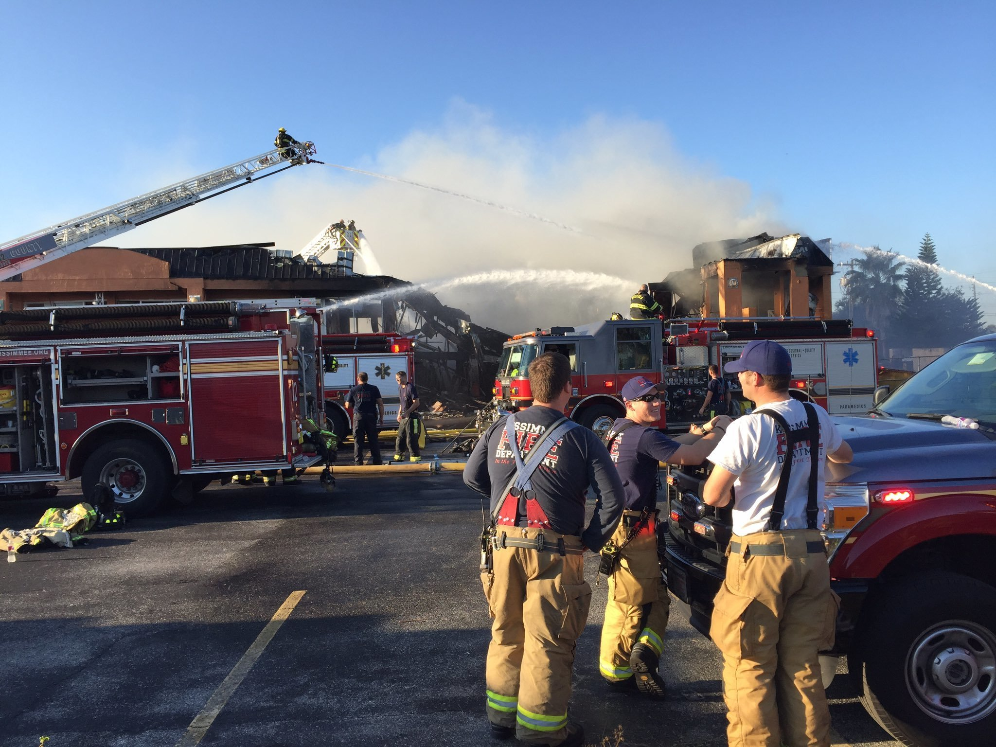 About 250 Displaced As Large Blaze Destroys Osceola Hotel Orlando Sentinel
