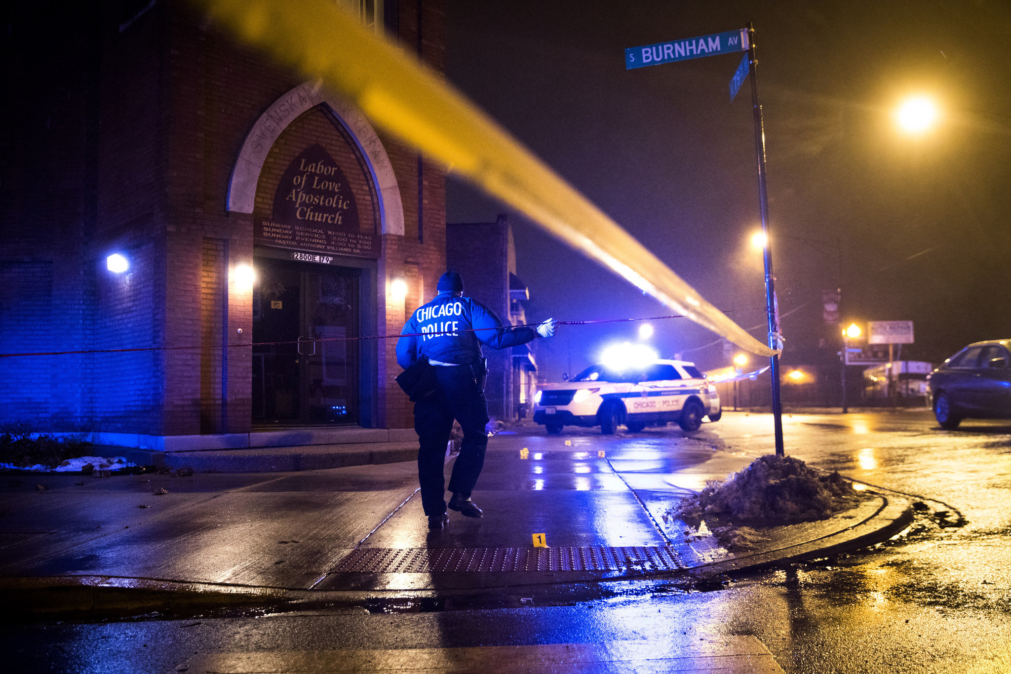 Chicago seeks solutions after violent 2016 - Chicago Tribune