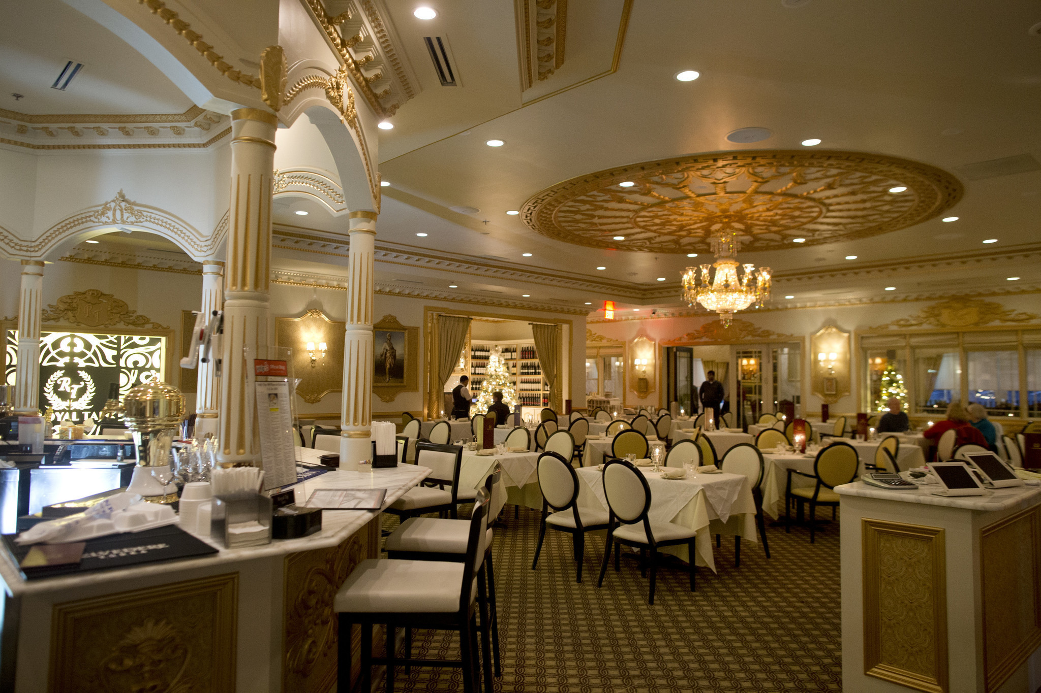 Royal Taj S Excellent Fare Shines In A Beautiful Space
