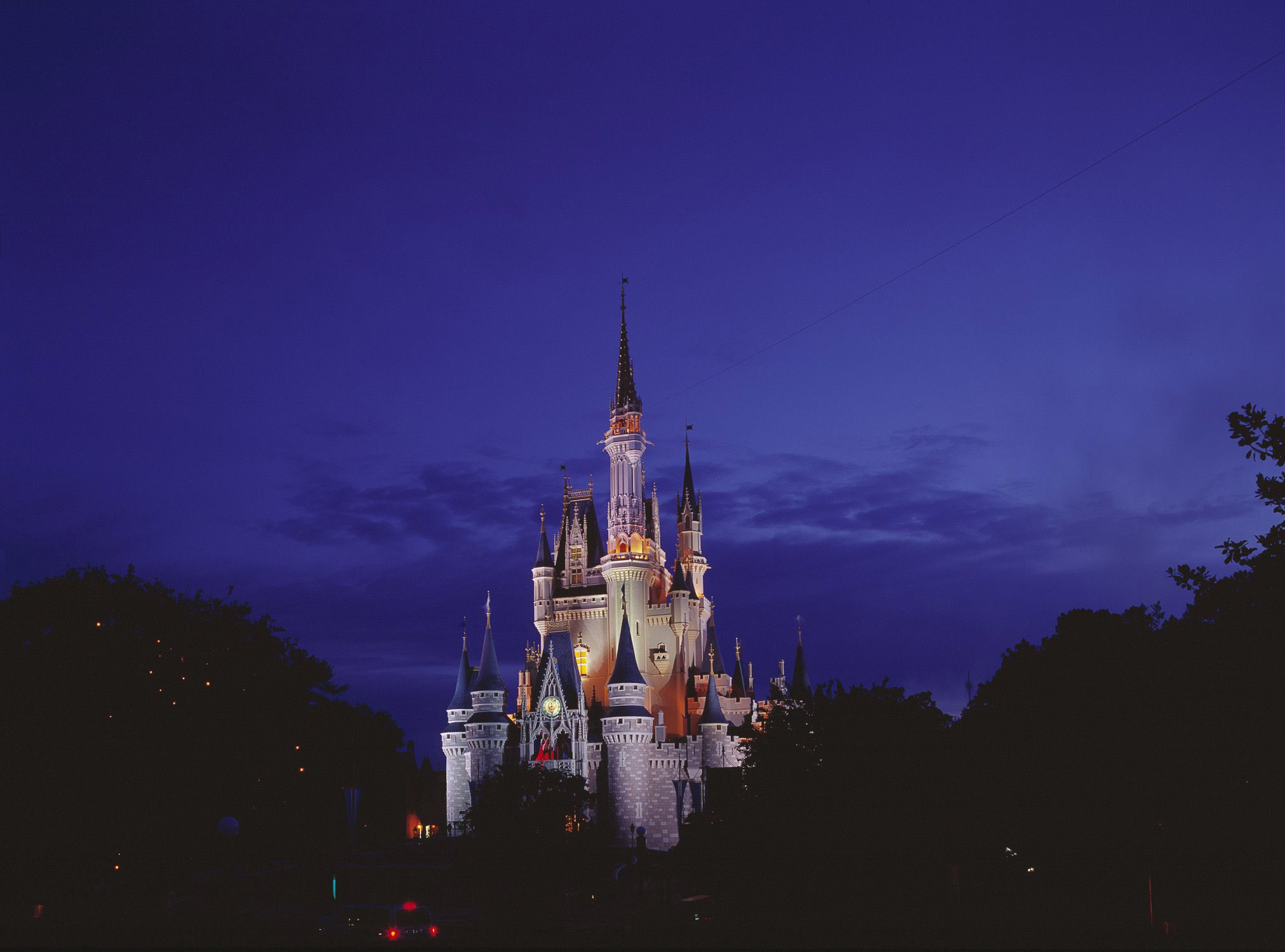 Disney World again offers Florida-resident ticket deal ...