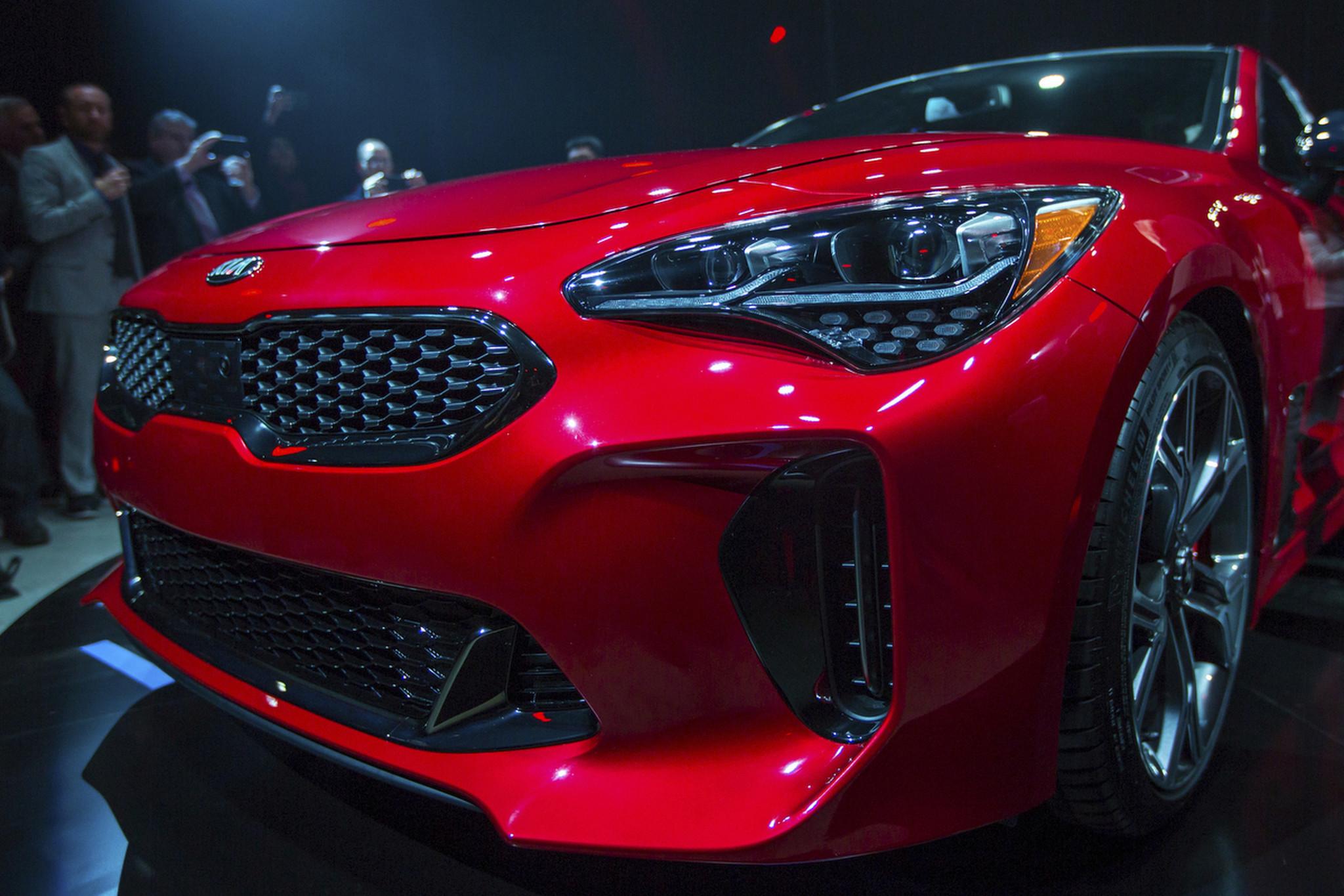 2018 Kia Stinger Fastback Sedan Unveiled In Detroit Chicago Tribune