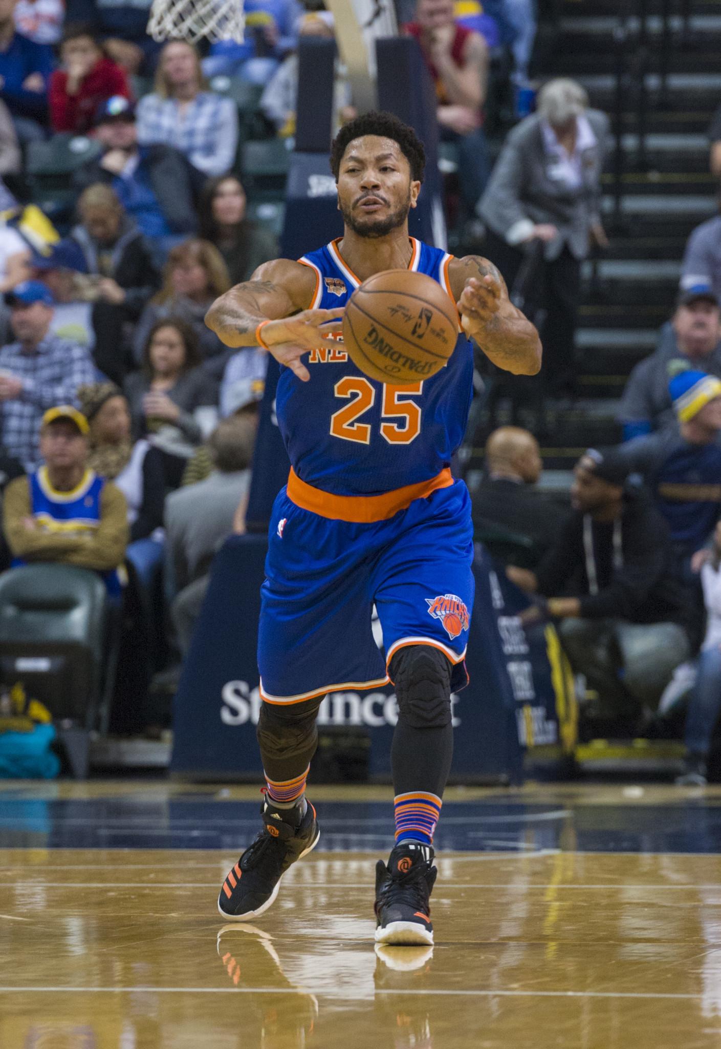 28e37dd552ce Derrick Rose returns to Knicks after missing game for family visit - Chicago  Tribune