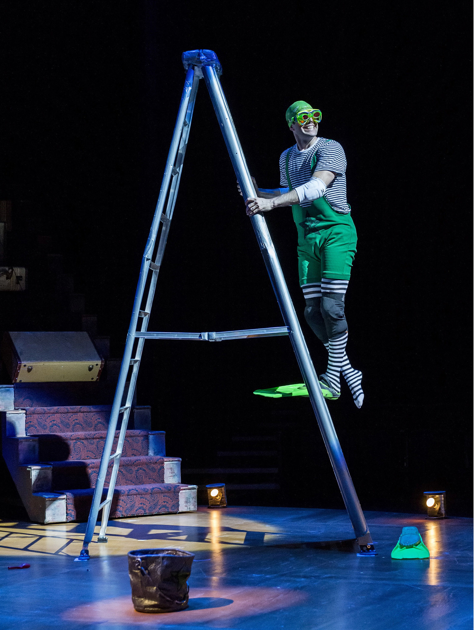 Lorenzo Pisoni in his one-man show about life in the circus.