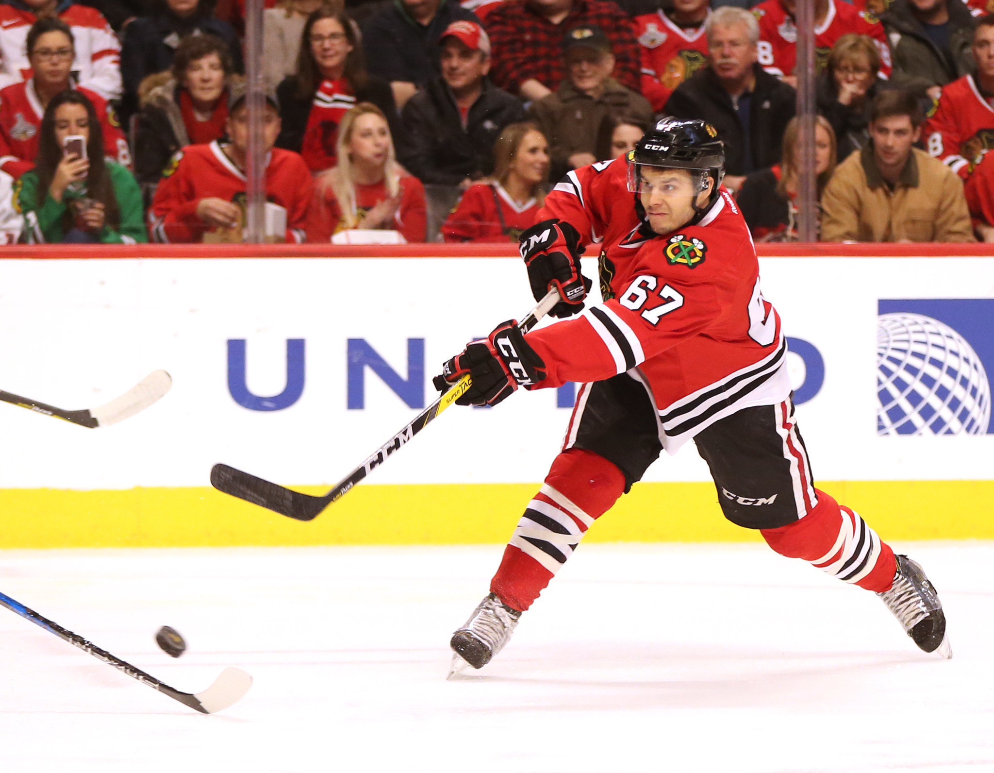 Tanner Kero Balances Family Obligations Trying To Make It With Blackhawks Chicago Tribune