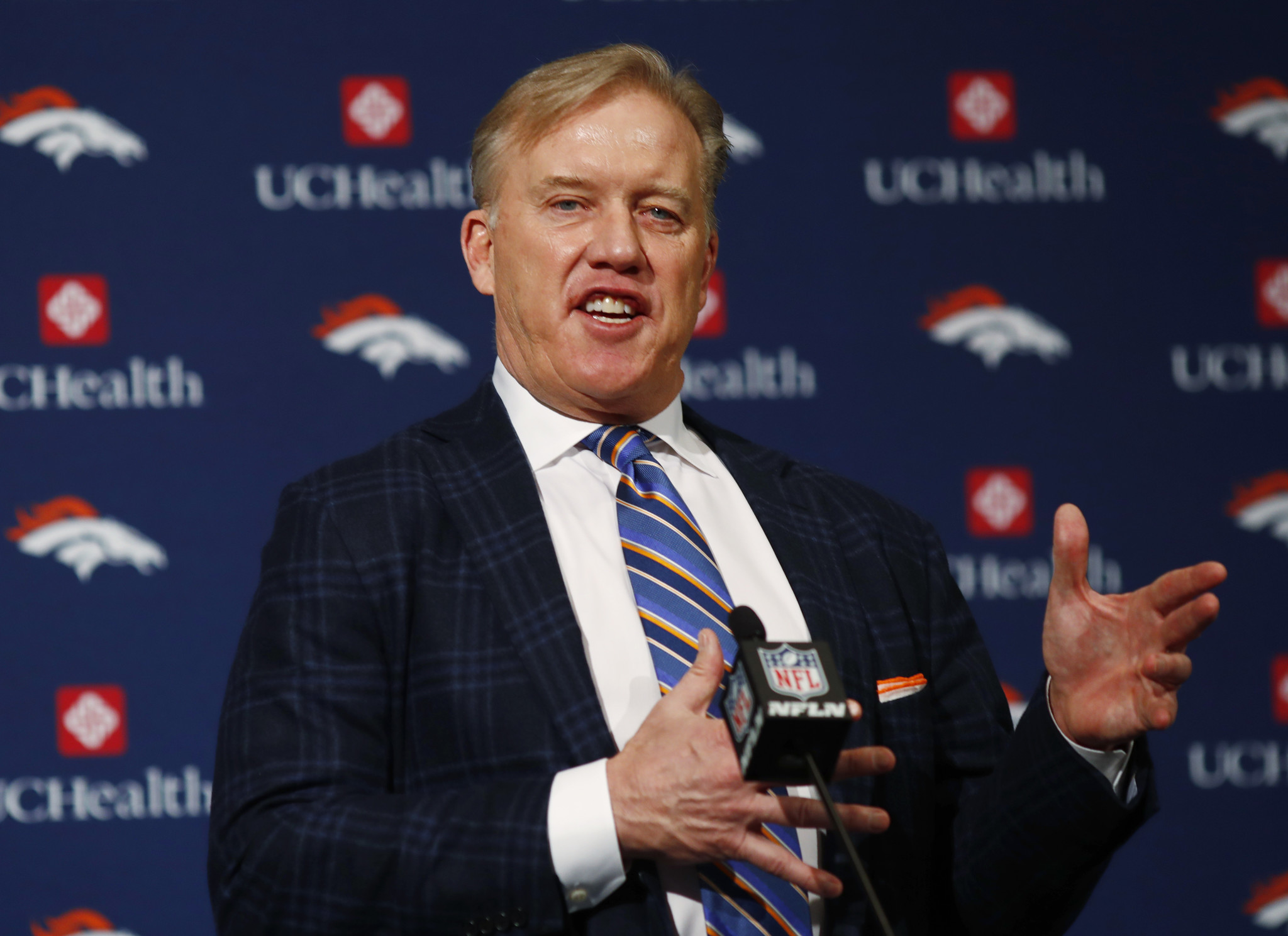 cab driver praises john elway then learns he s driving him the