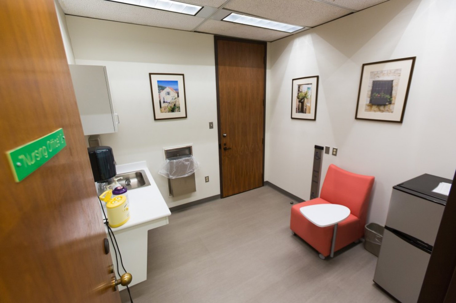 What A Pumping Room Should Look Like For Nursing Mothers