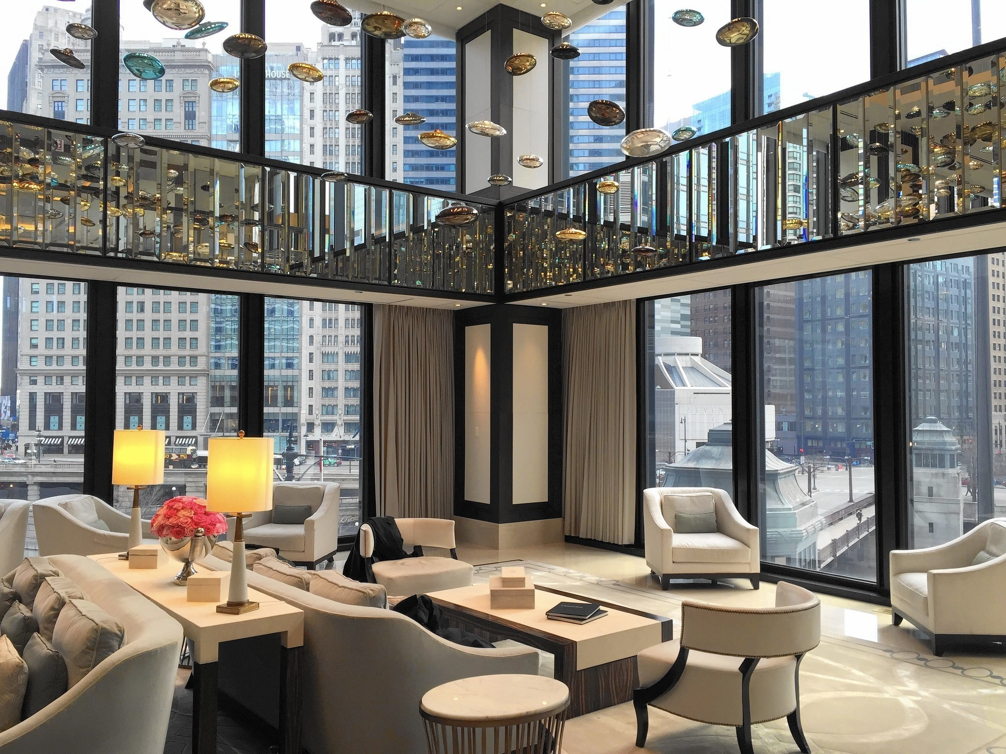 Chicago 39 s langham tops the list of best u s hotels for Hotel decor chicago