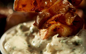 Creamy ranch dipping sauce
