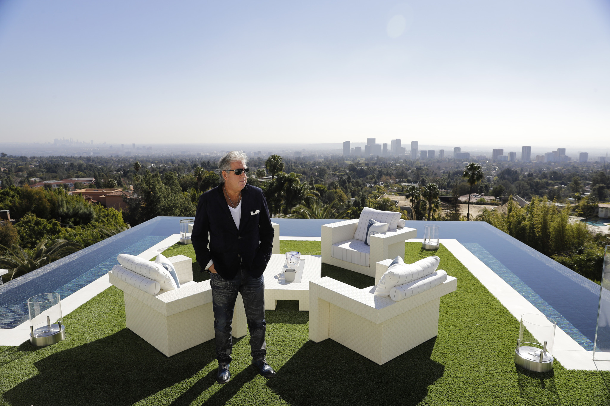 250M Los Angeles Mega Mansion Is Most Expensive US Listing