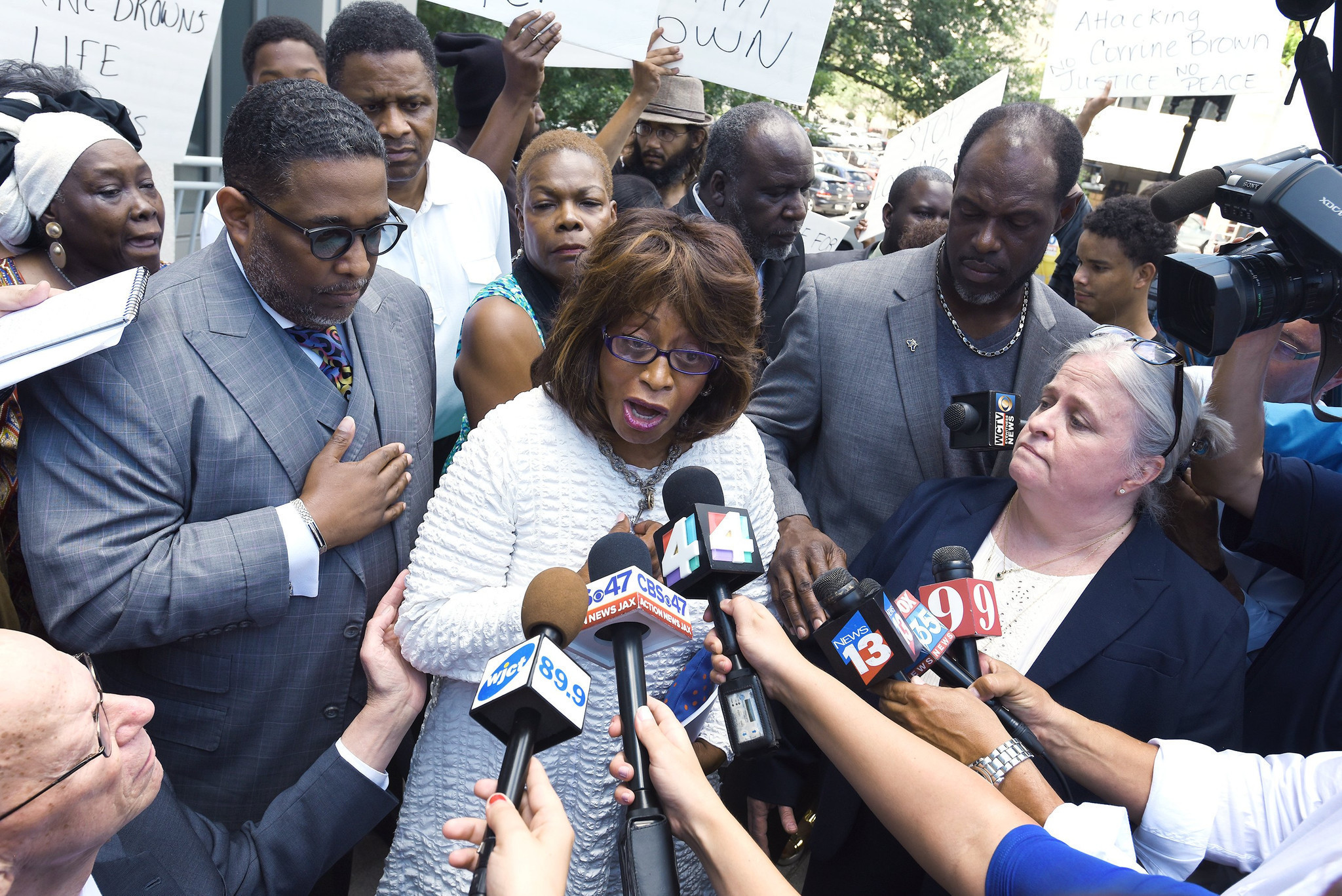 Corrine Brown aide pleads guilty