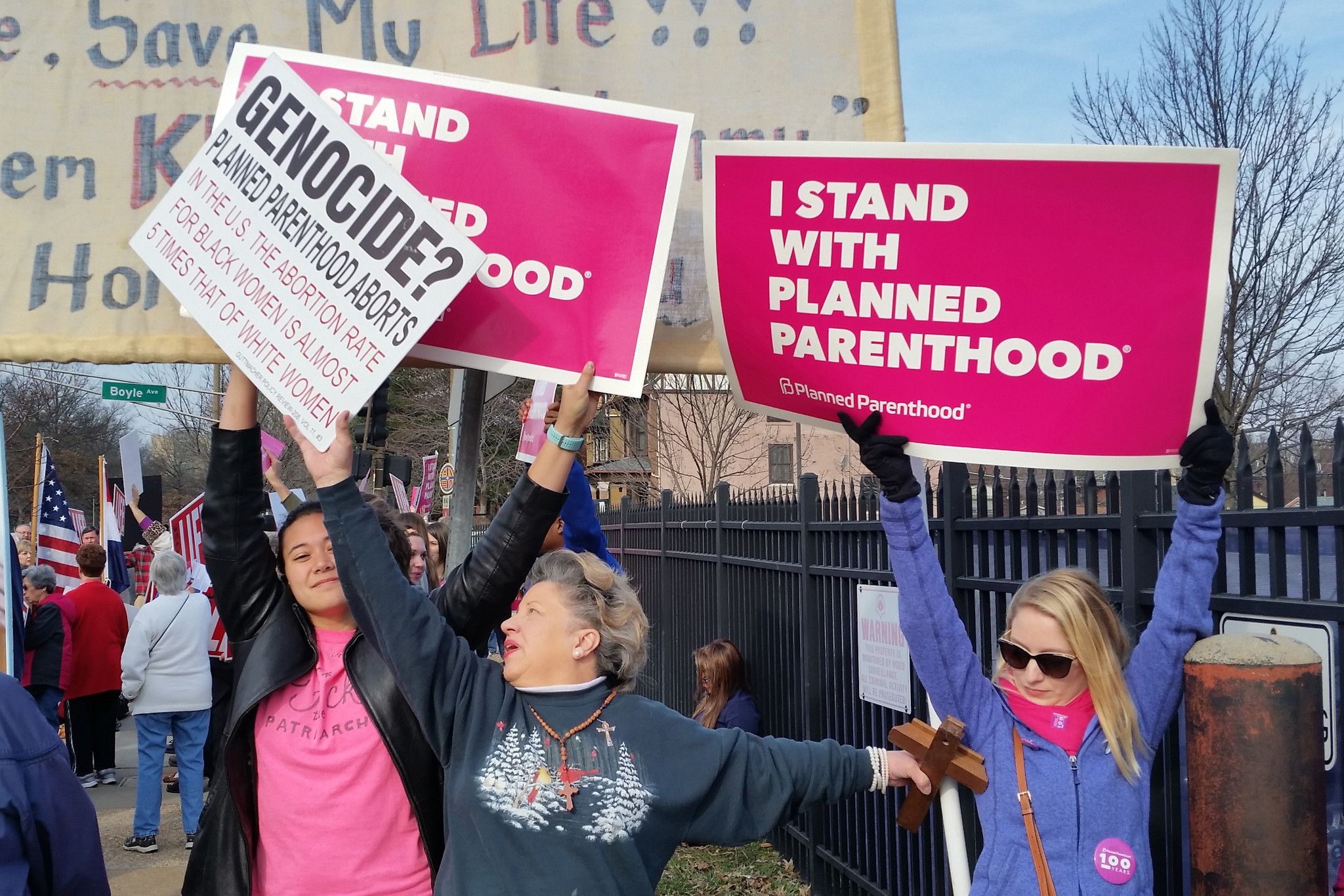 Antiabortion activists and Planned Parenthood counterprotesters – Planned Parenthood Park City