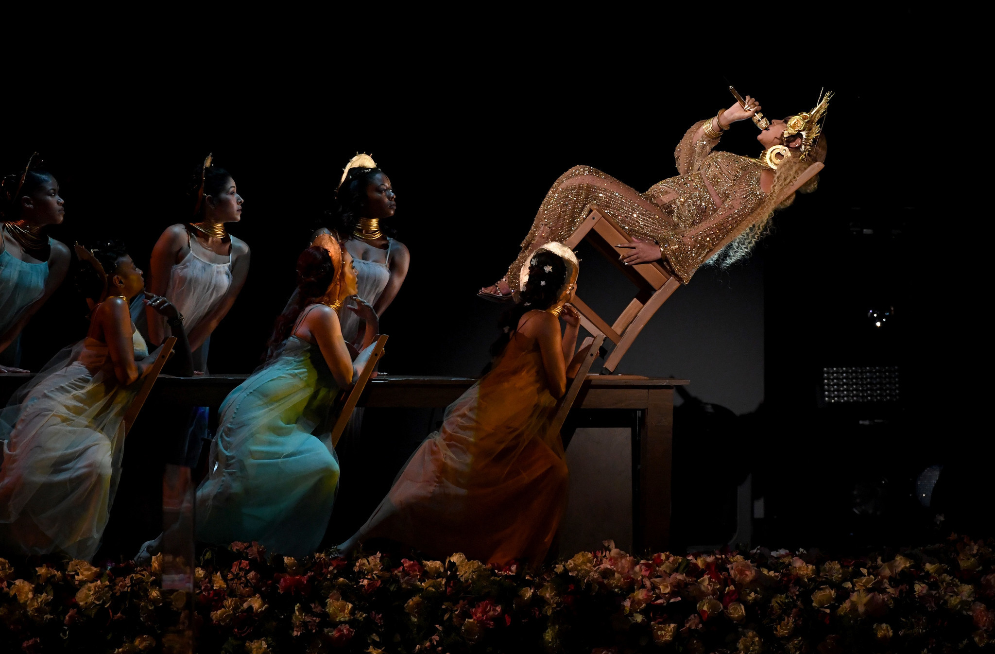 Image result for beyonce performs at the grammys 2017
