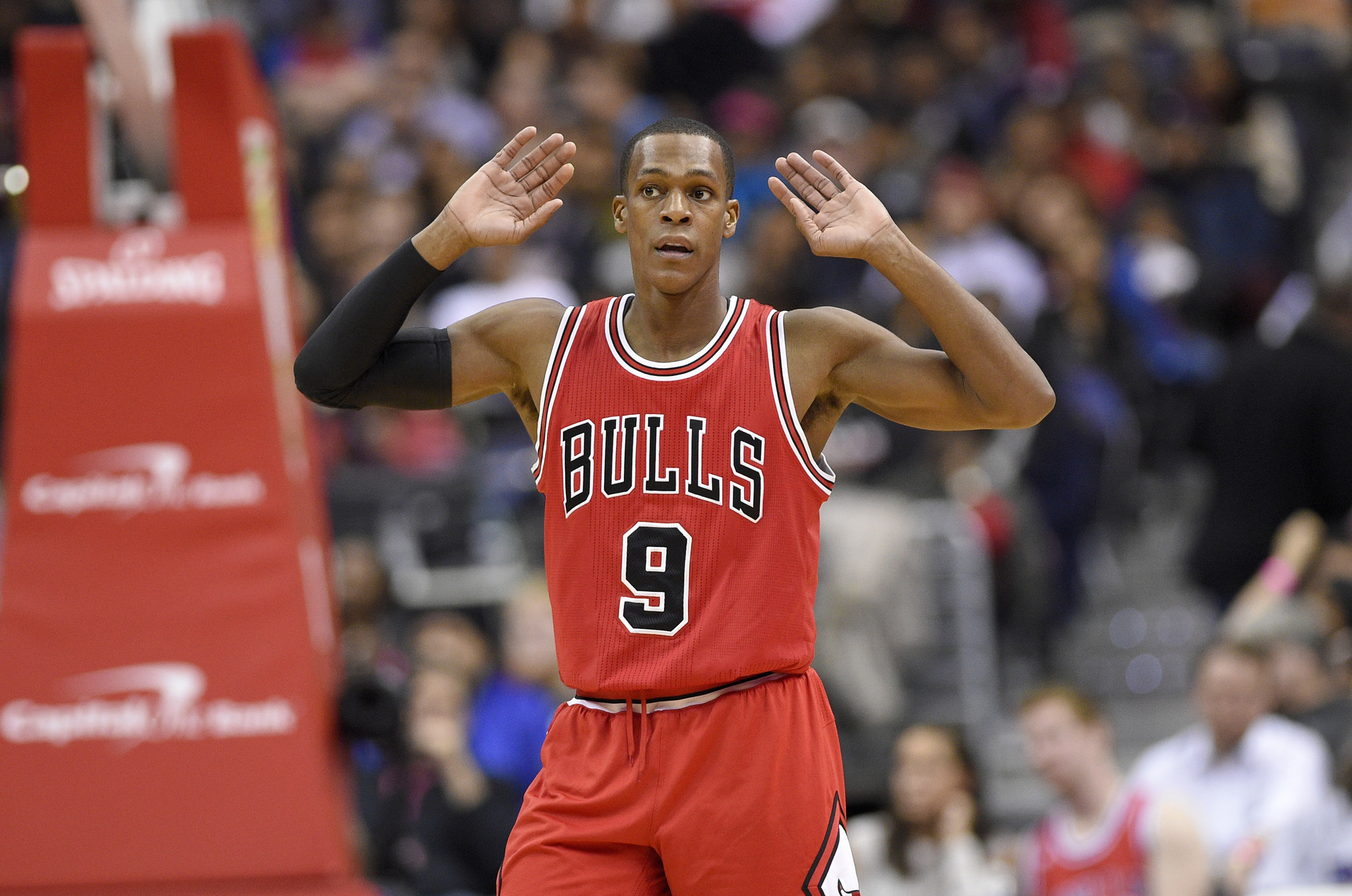 Rajon Rondo Embraces Role Of Mentor While Leading Bulls