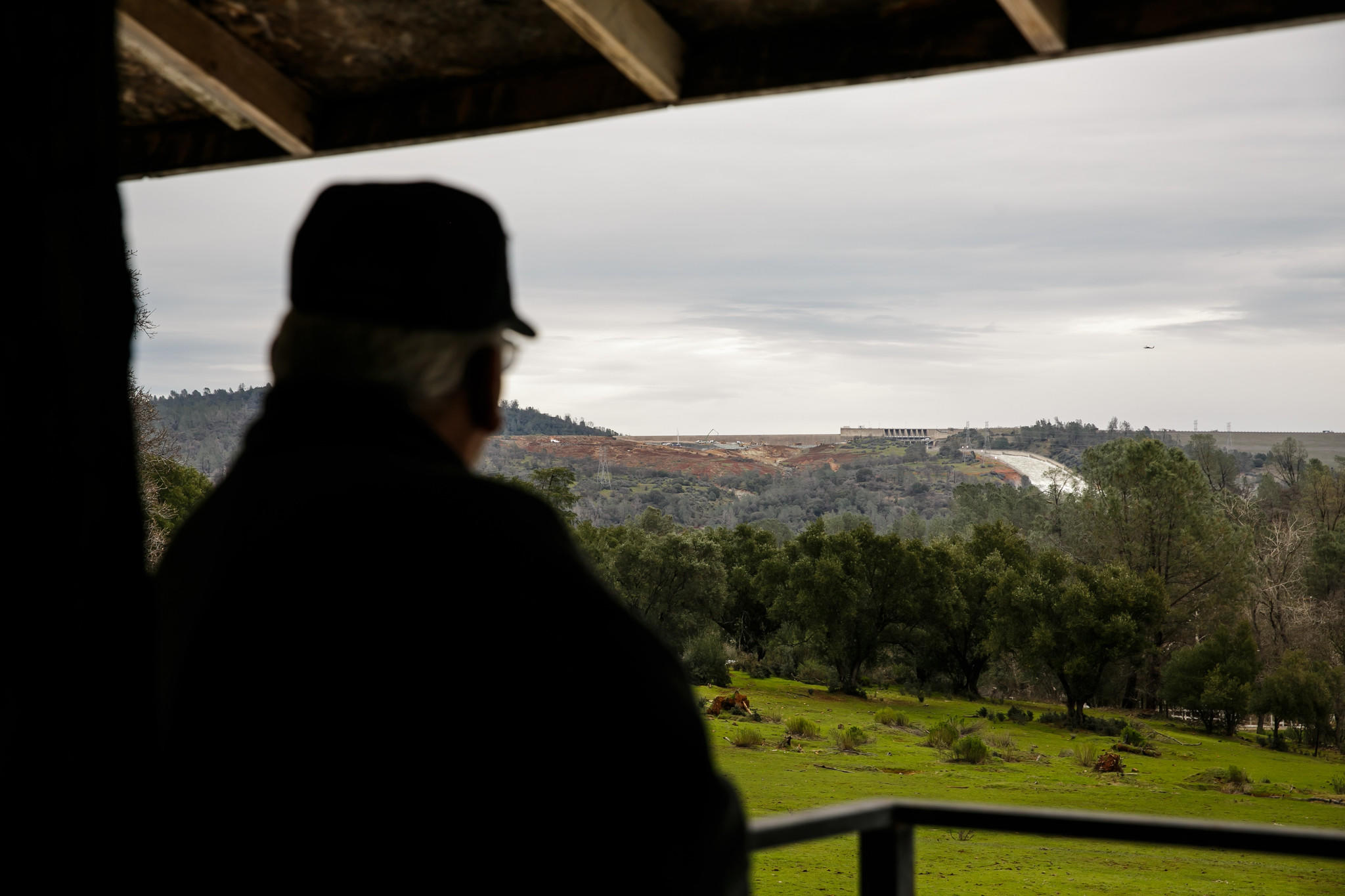 Life below Oroville Dam: Stoicism, faith     and cars poised for a