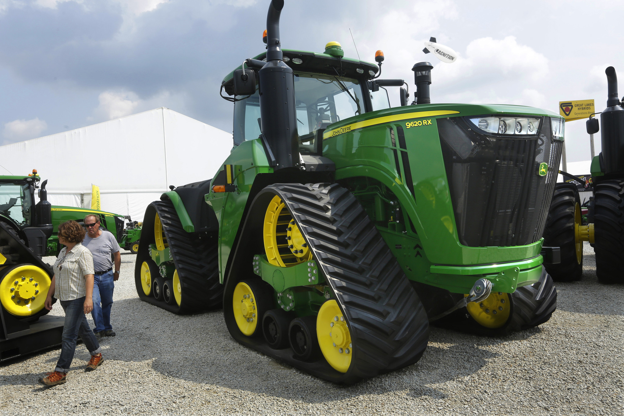 deere ceo says company will keep headquarters in quad. Black Bedroom Furniture Sets. Home Design Ideas