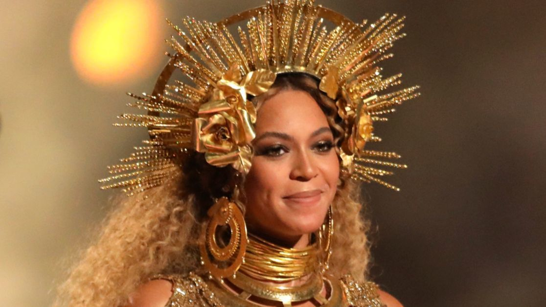 Beyoncé drops out of Coachella 2017, will headline in 2018 ...