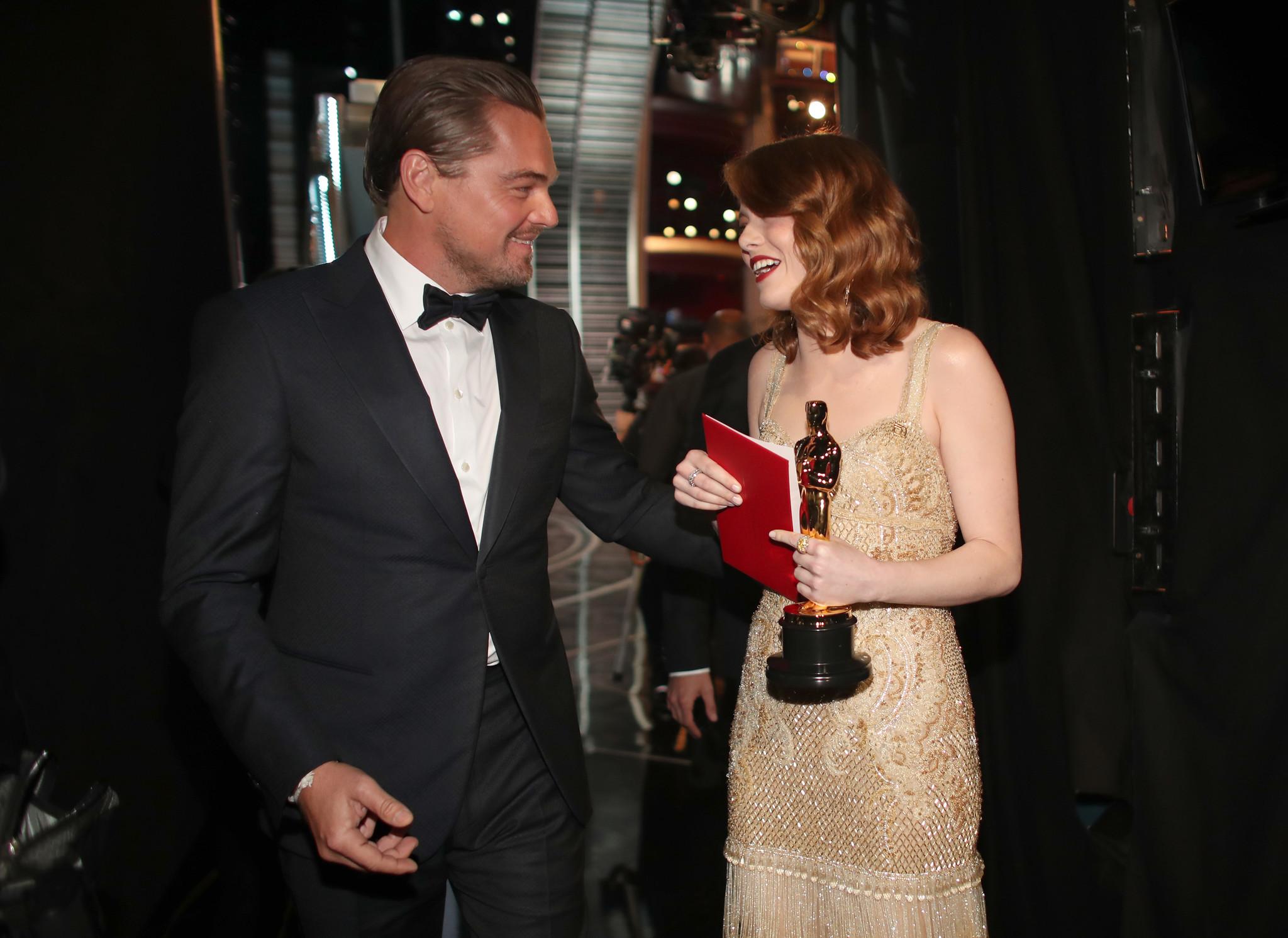76da12b6f0d Leonardo DiCaprio and Emma Stone backstage at the 2017 Oscars. (Christopher  Polk   Getty
