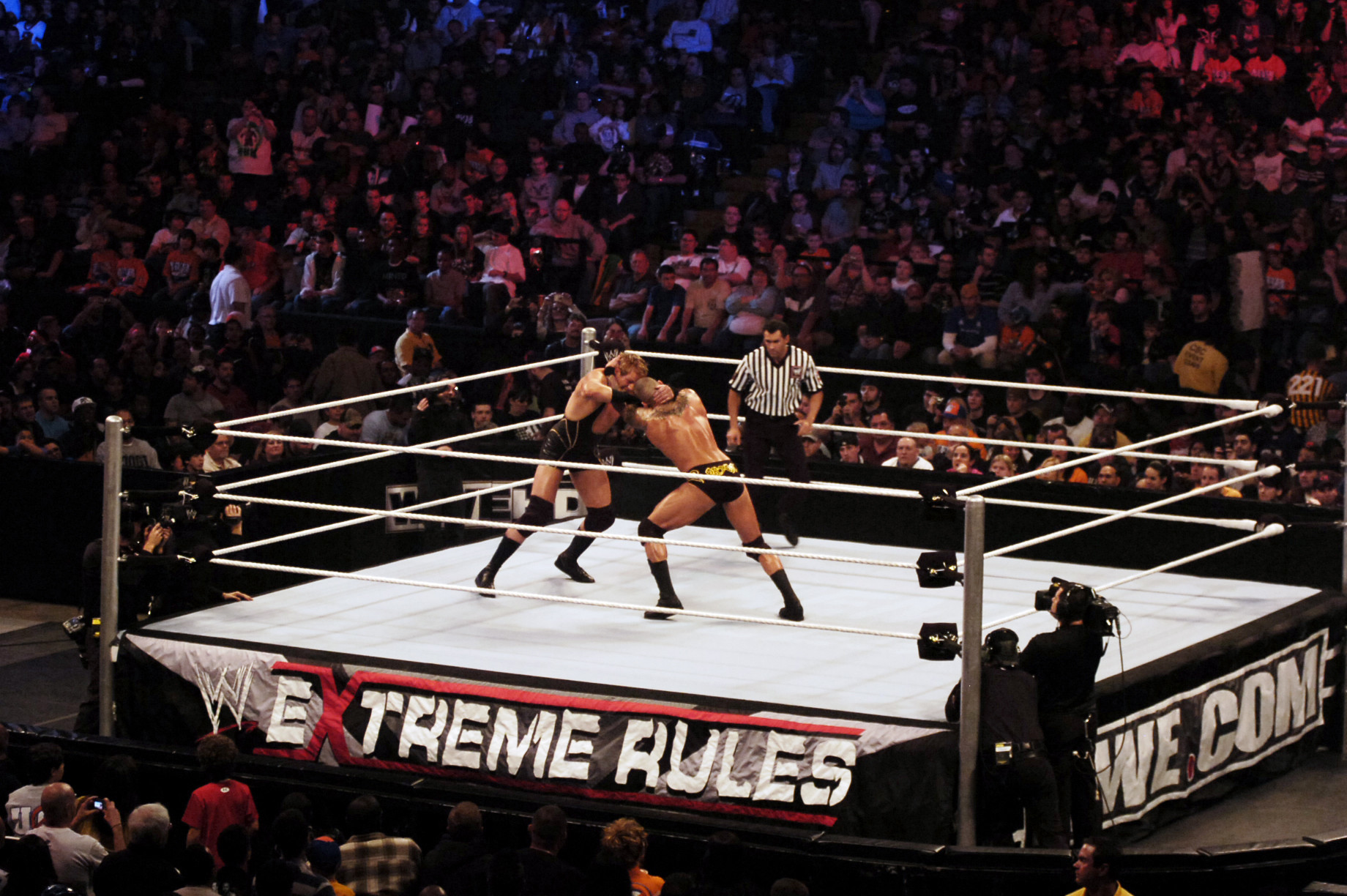 Royal Farms Arena To Host Wwe Extreme Rules Pay Per View Event In June Baltimore Sun