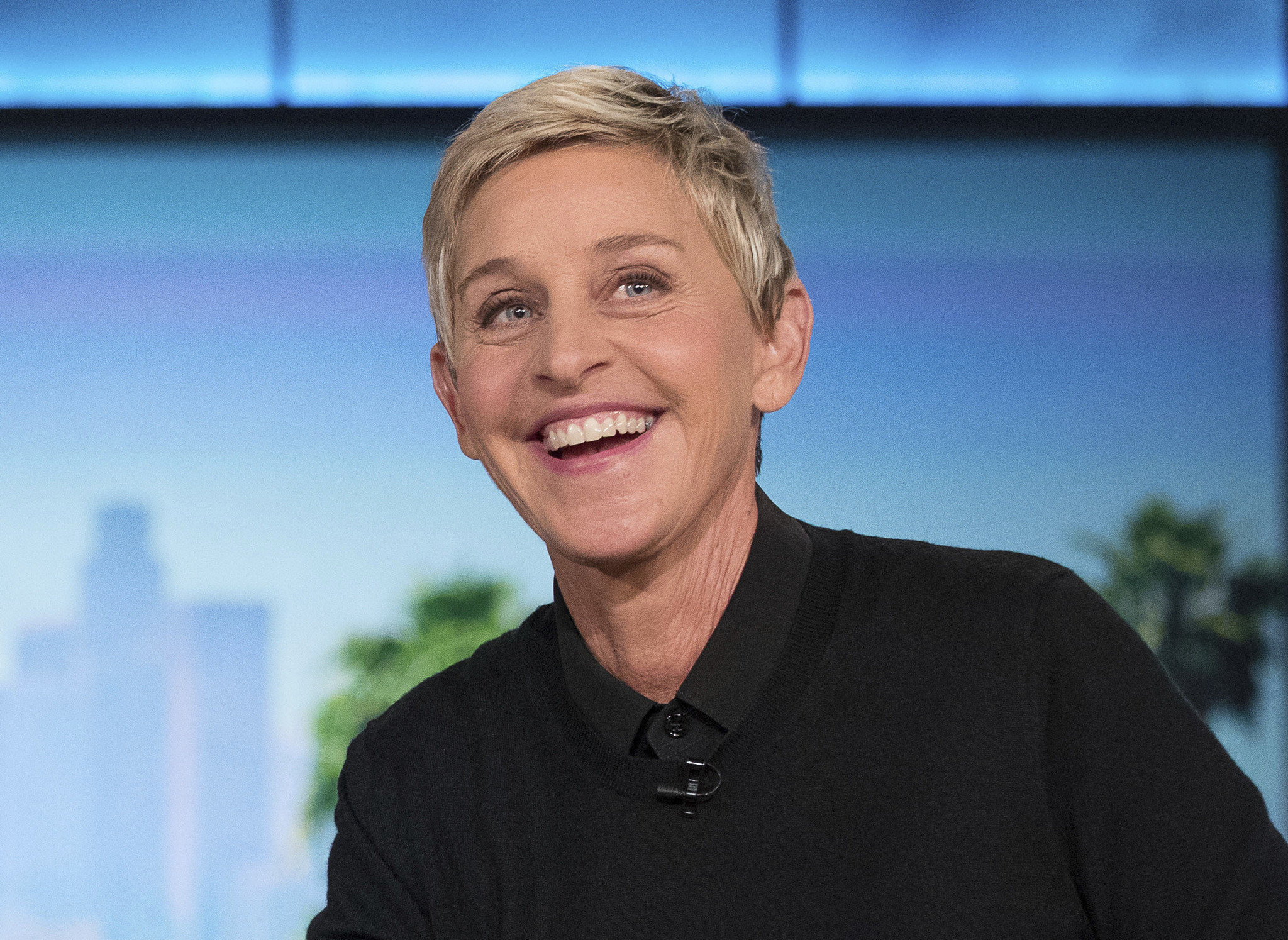 The latest Tweets from Ellen DeGeneres (@TheEllenShow). Comedian, talk show host and ice road trucker. My tweets are real, and they're spectacular. CaliforniaAccount Status: Verified.