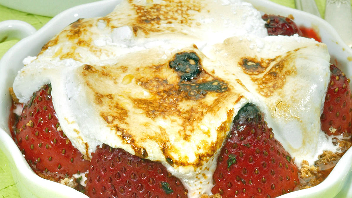 Strawberry marshmallow brulee