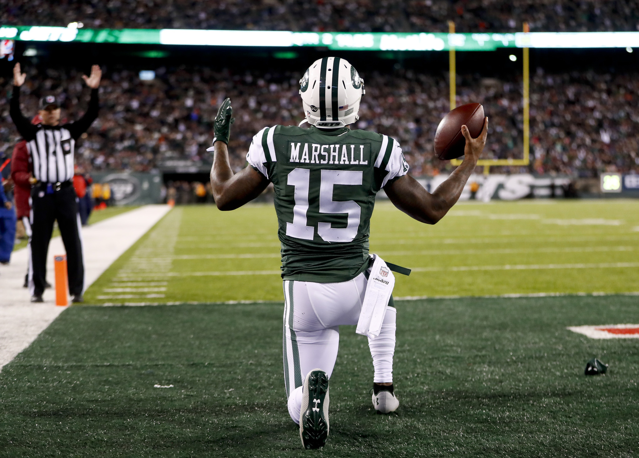 best sneakers 42d48 38f81 Brandon Marshall signs with Giants, leaving one less wide ...