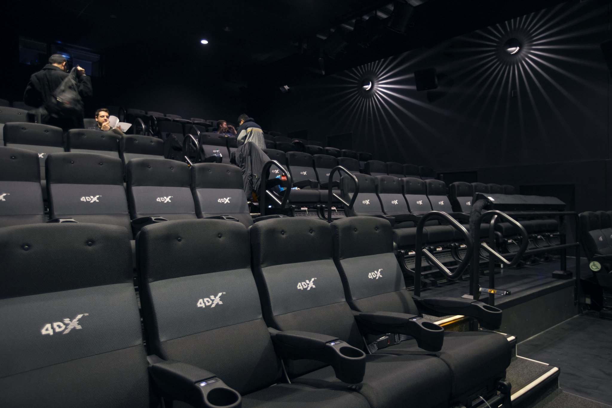 Movie Theater Adds 4 D Experience Orlando Sentinel