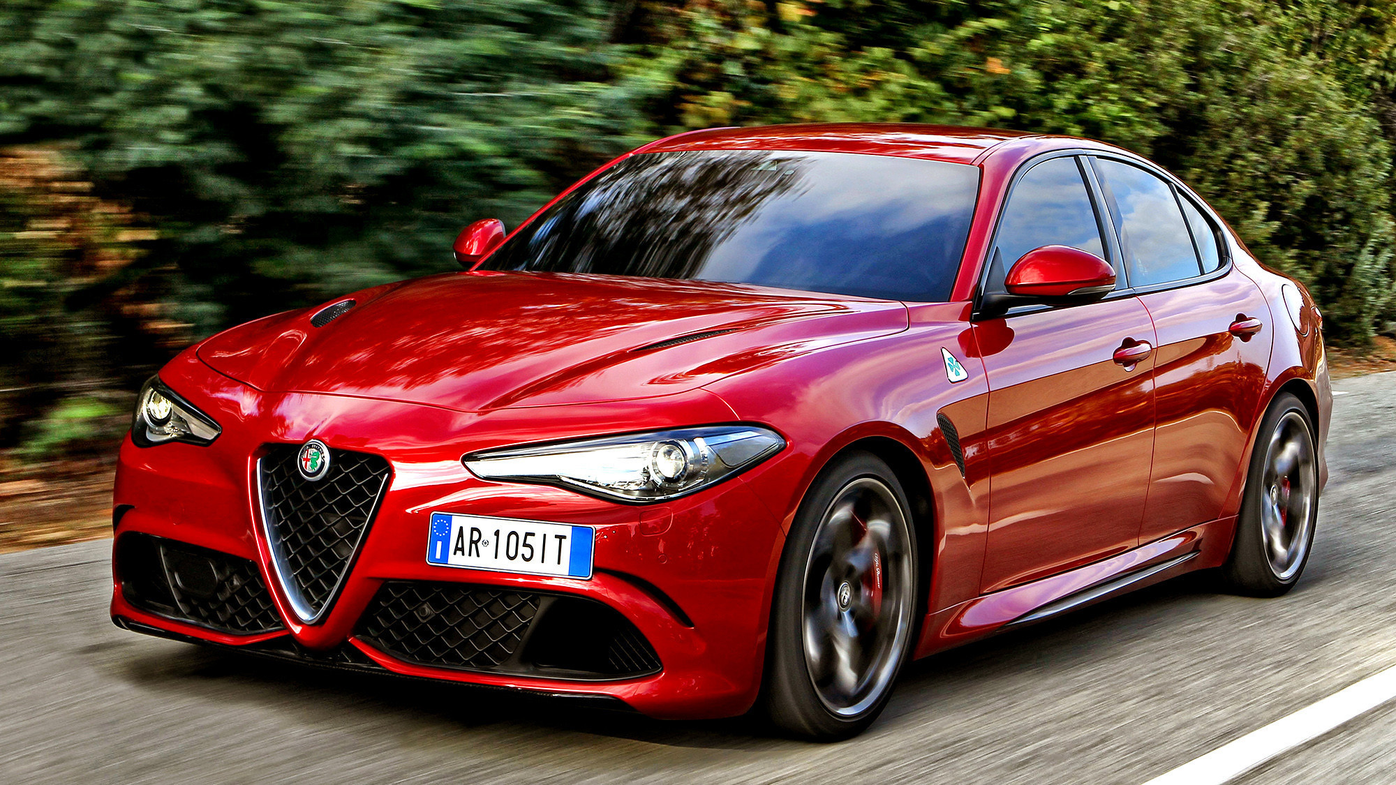 alfa romeo 39 s giulia quadrifoglio is a wolf in sheep 39 s clothing la times. Black Bedroom Furniture Sets. Home Design Ideas