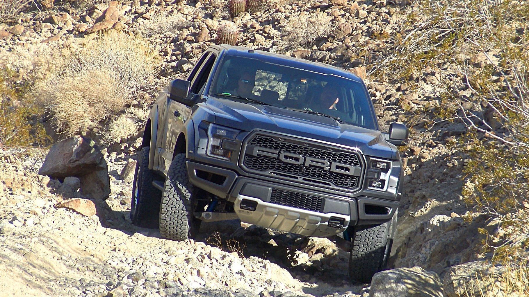 ford 39 s raptor is rough ready and cushy la times. Black Bedroom Furniture Sets. Home Design Ideas