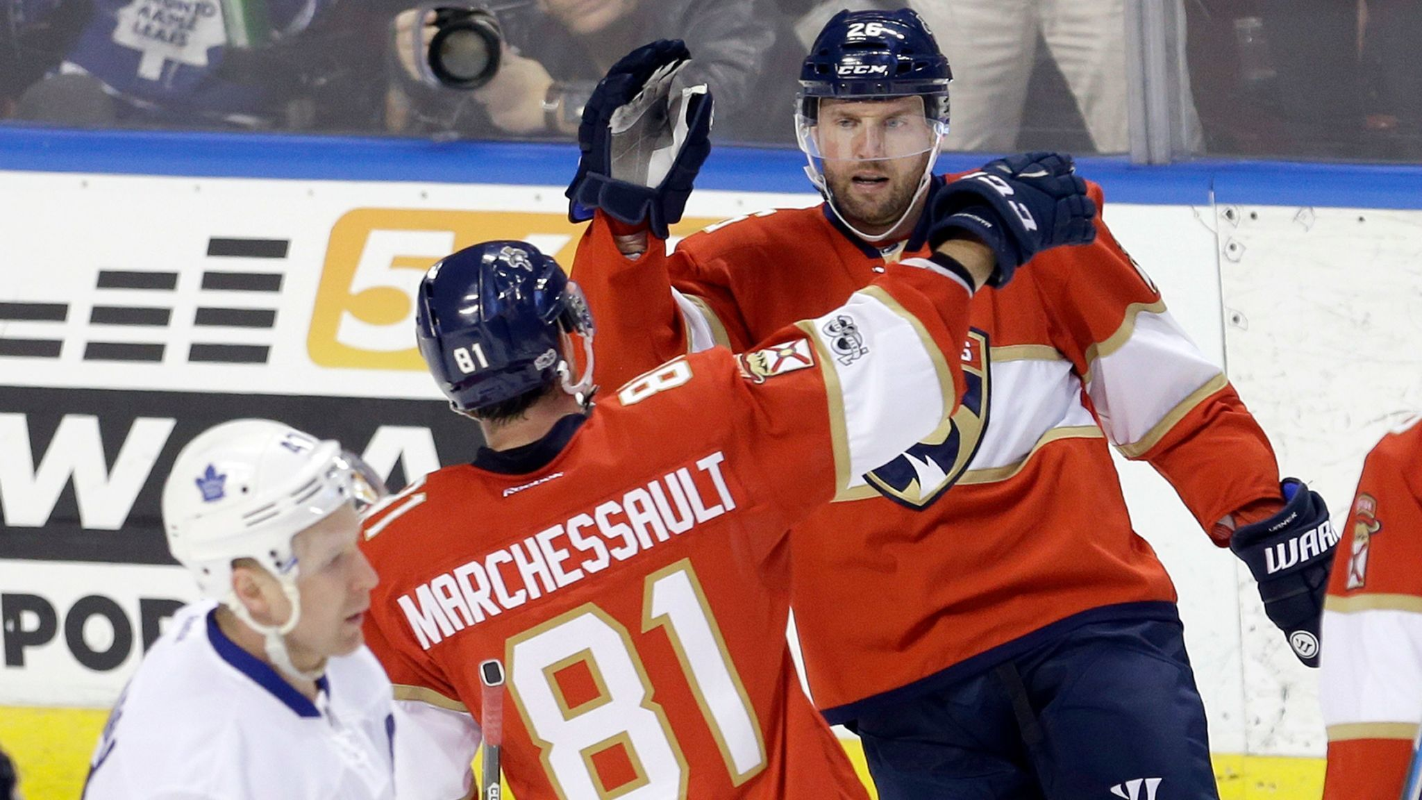 8fe87c3c4a4 Panthers erupt in 7-2 win over Leafs to snap 5-game losing streak - Sun  Sentinel