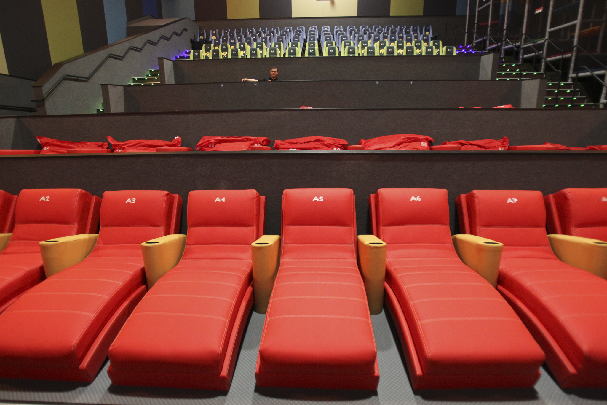 New Vista Cinema Offers Smells Rain Fog With Your