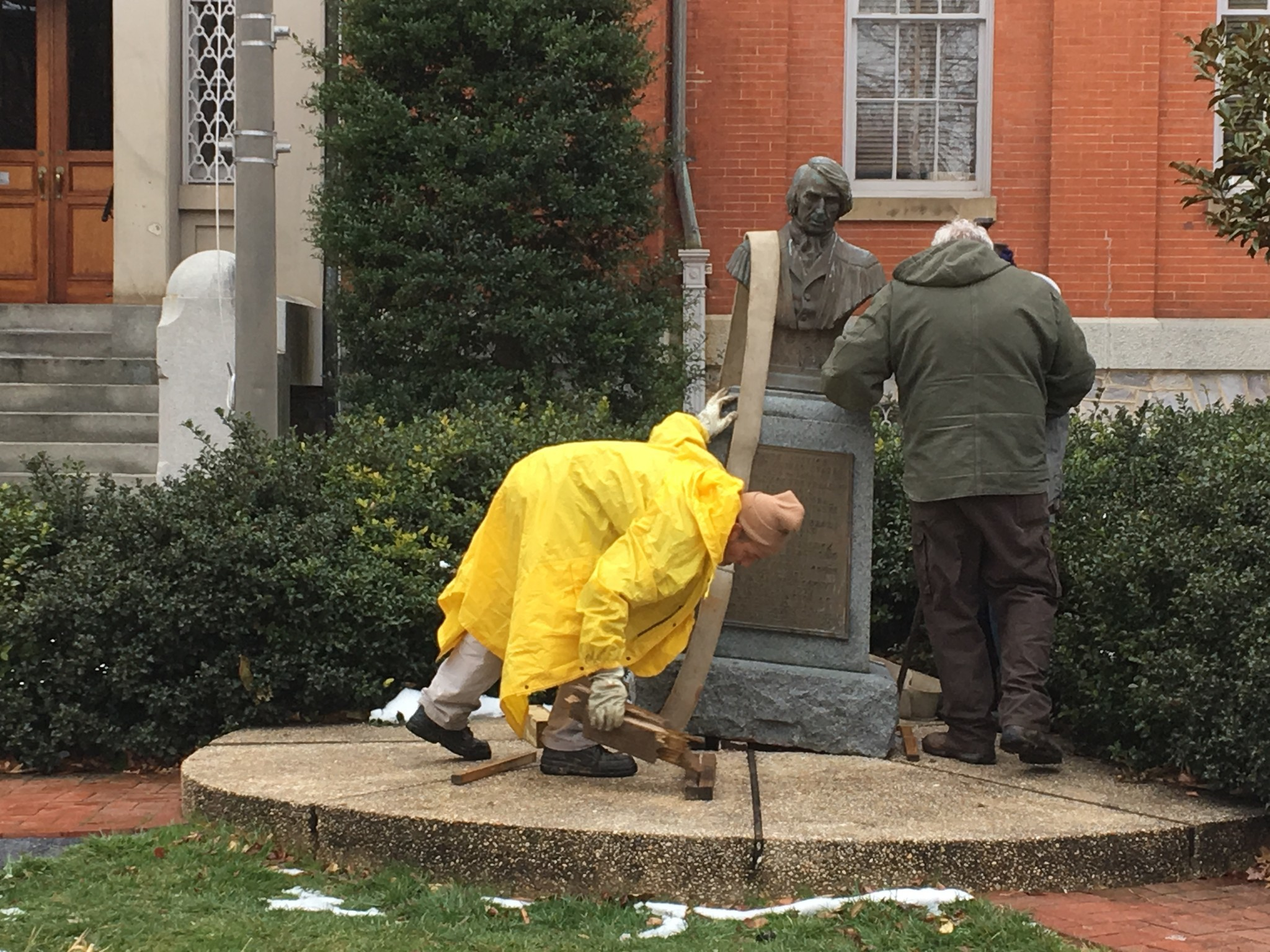 Taney Statue Is Moved From Outside Frederick City Hall Baltimore Sun