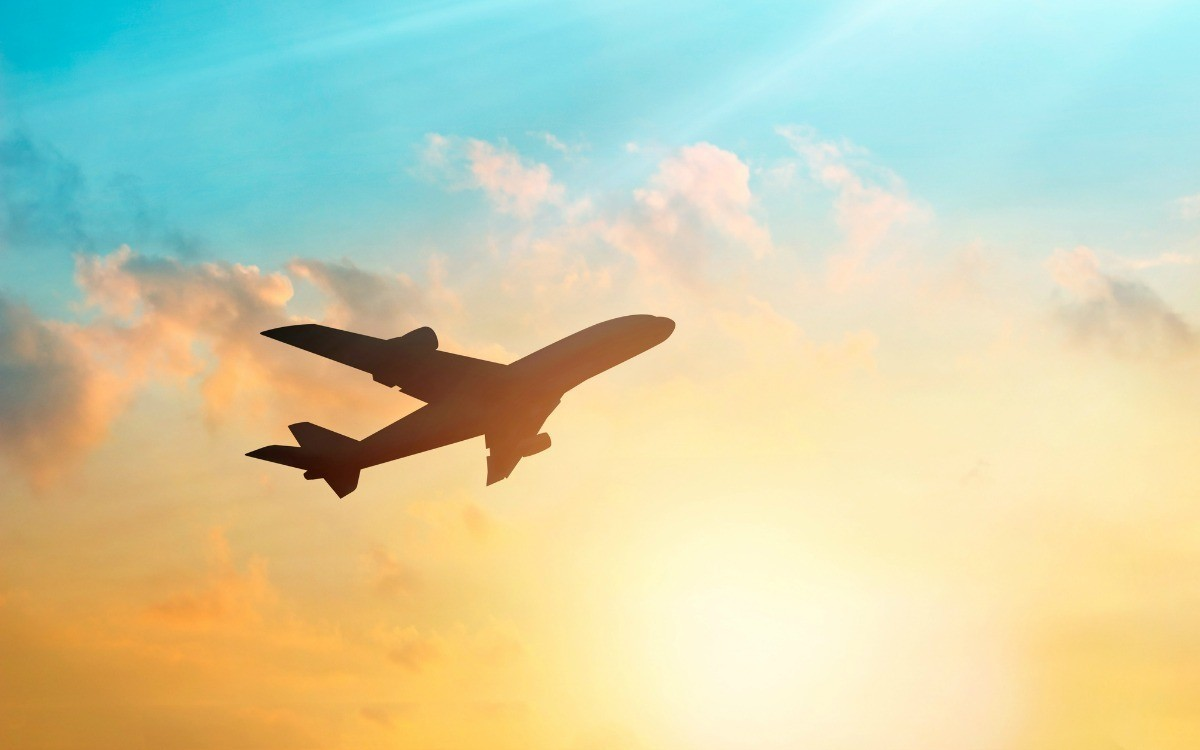 summer travel 5 tips to get the cheapest deals on airfare sun