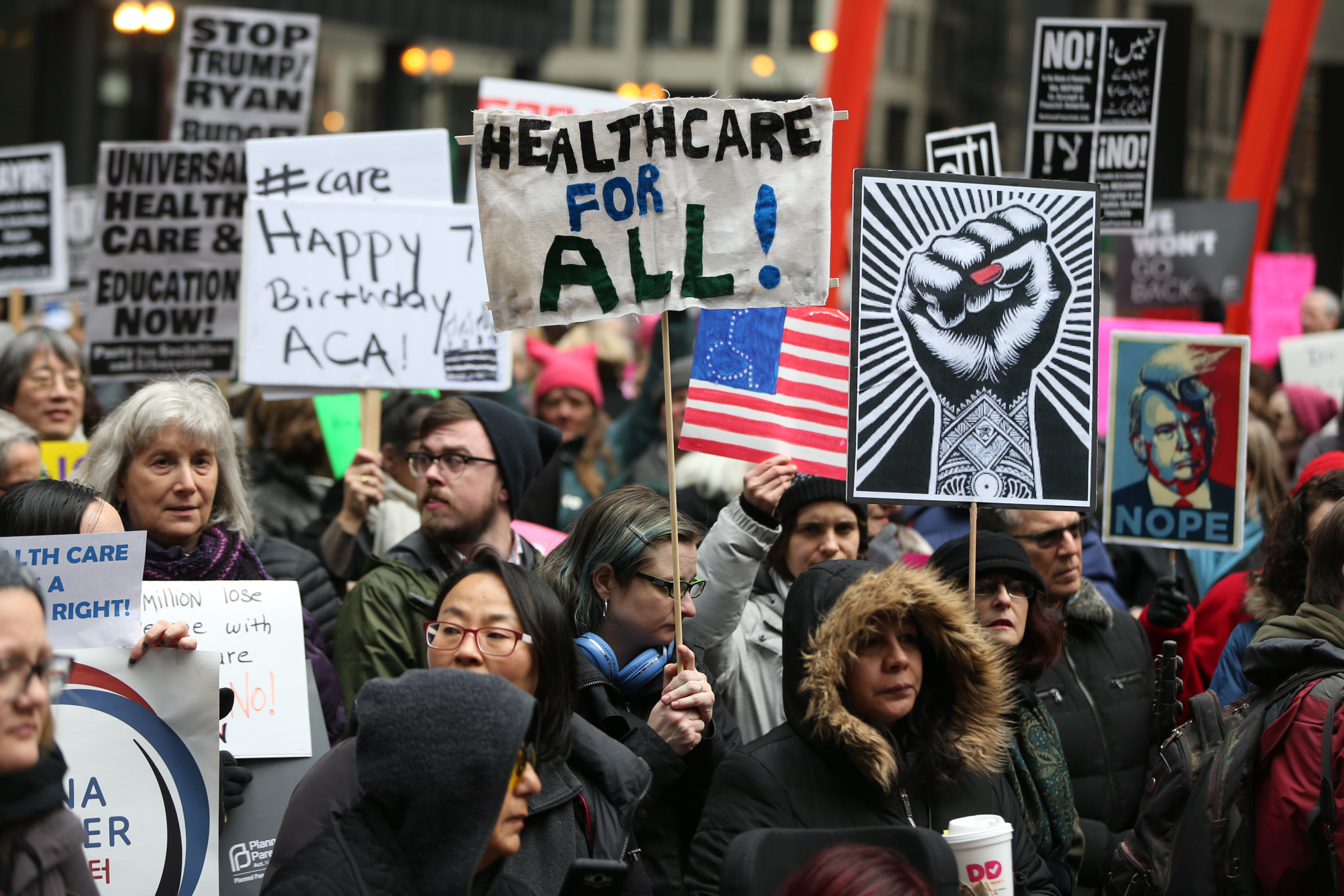 Affordable Health Insurance >> Health care workers protest efforts to overhaul Obamacare - Chicago Tribune