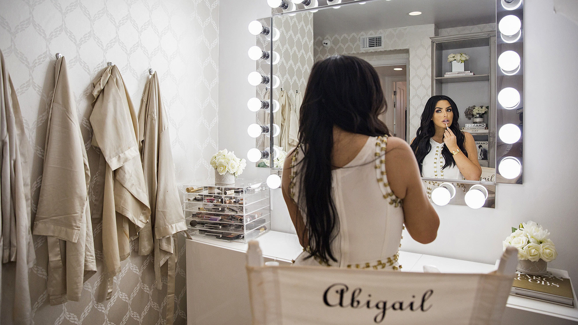 Zillow Real Estate Hot Property Before And After Model Abigail Ratchford