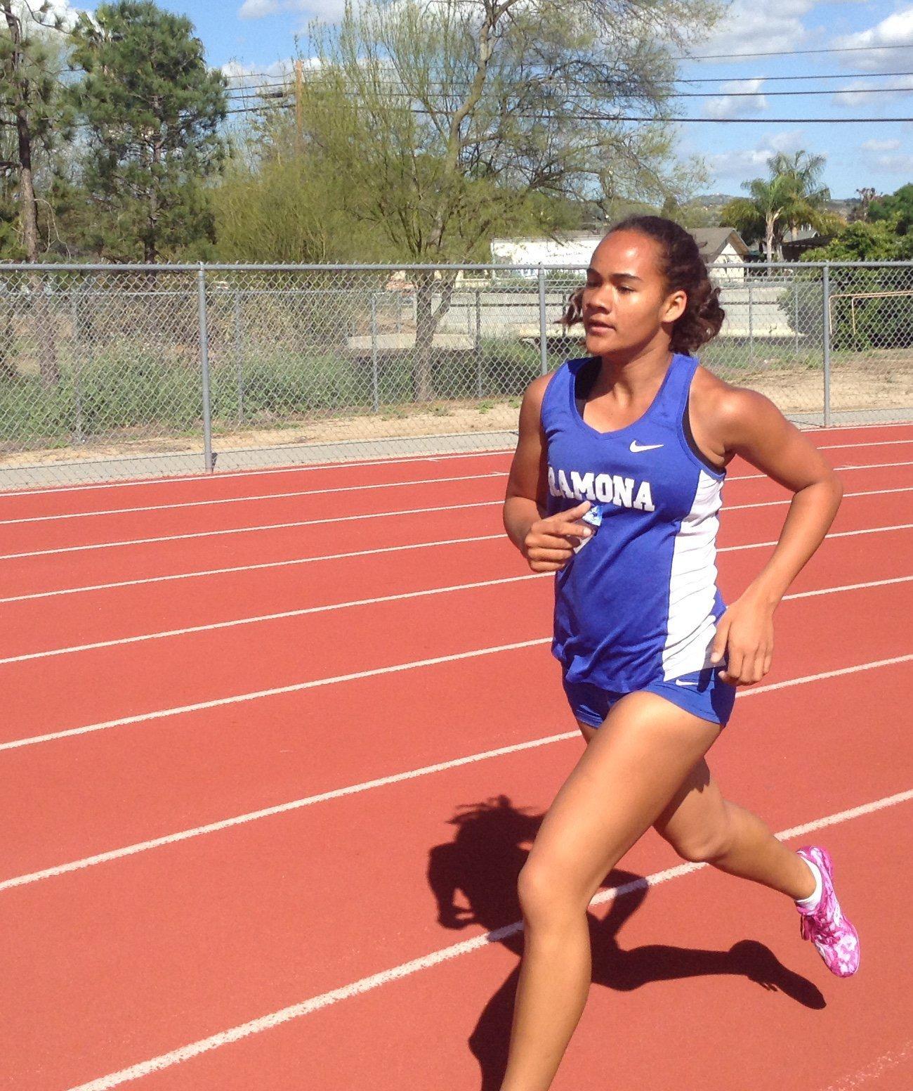 Alyssa Davis runs her best 1600 time (6:01) of the season against El Camino.