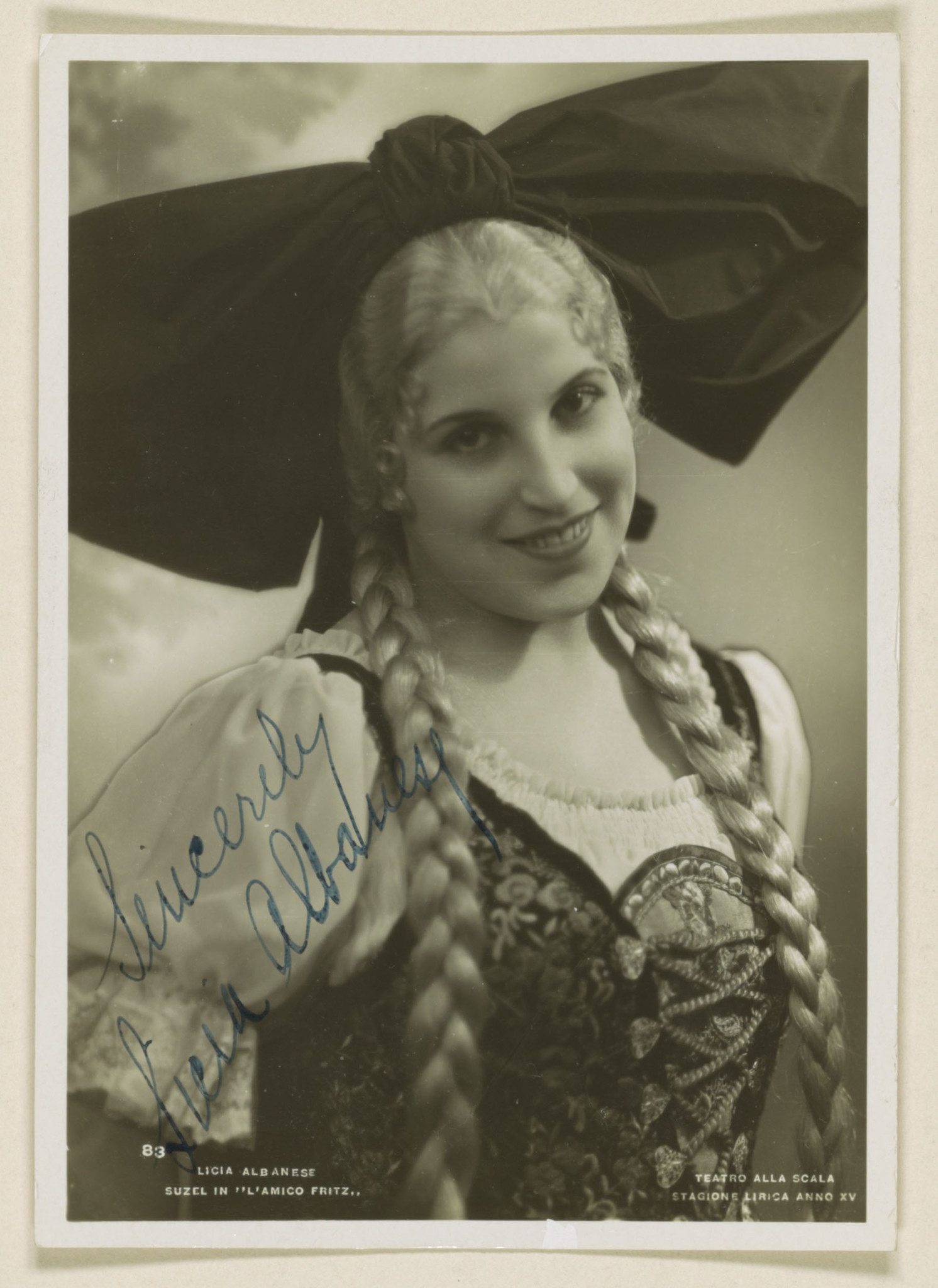 Licia Albanese as Suzel in