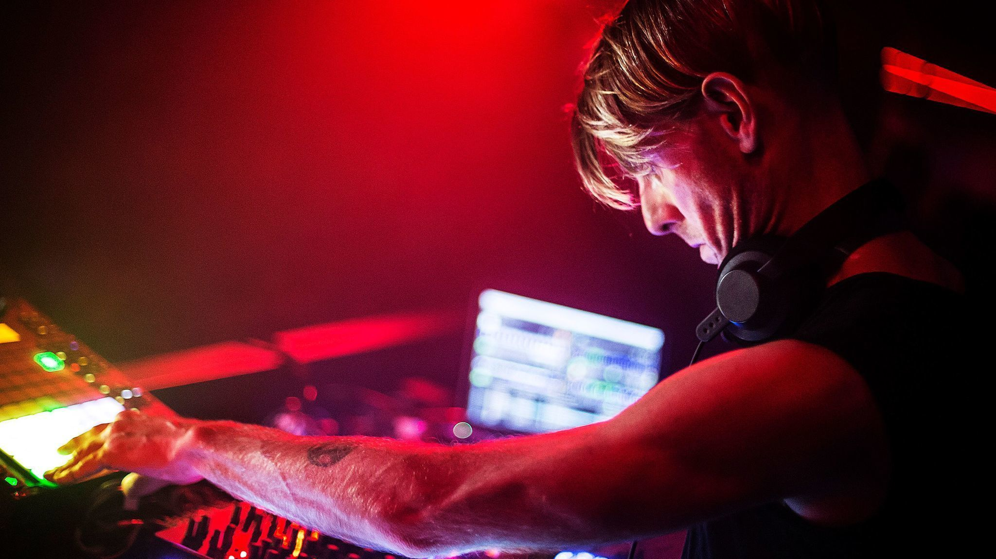 With his new show 'Close,' Richie Hawtin will DJ without his decks at Coachella - Los Angeles Times