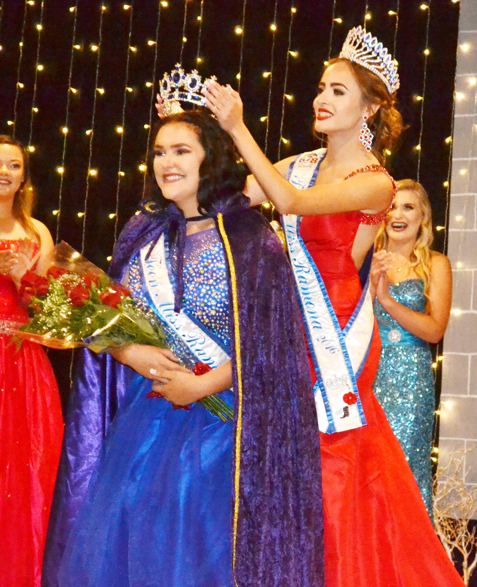 Cheyenne DePhillippis is crowned Teen Miss Ramona 2017 by last year's Teen Miss Ashley Dominguez.