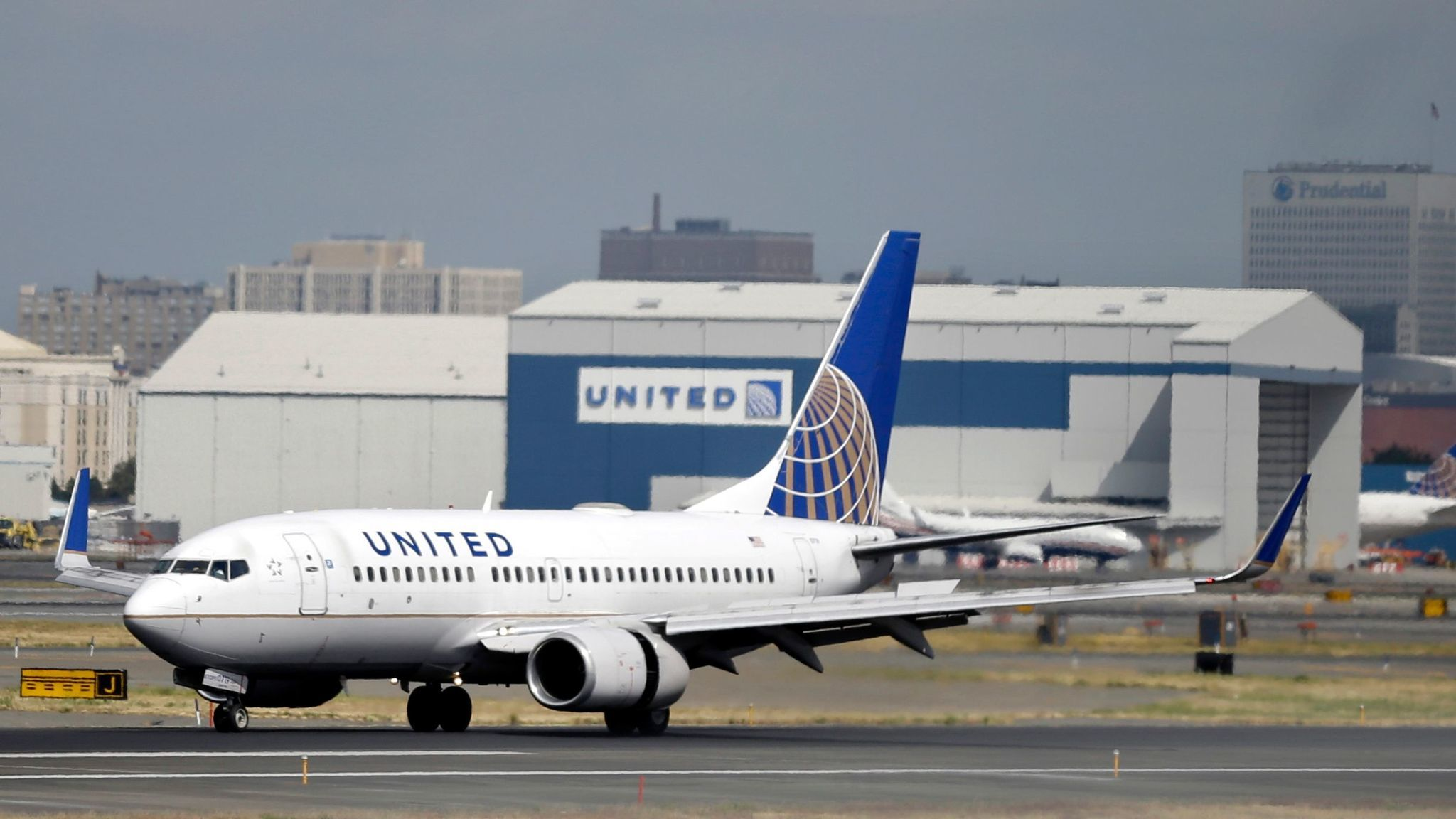 A United Airlines jet at Newark Liberty International Airport in Newark, N.J., in 2015.