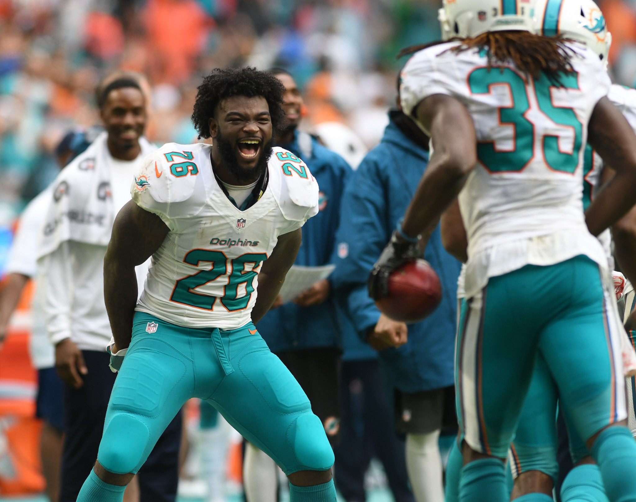 patriots host dolphins rb damien williams on a freeagent