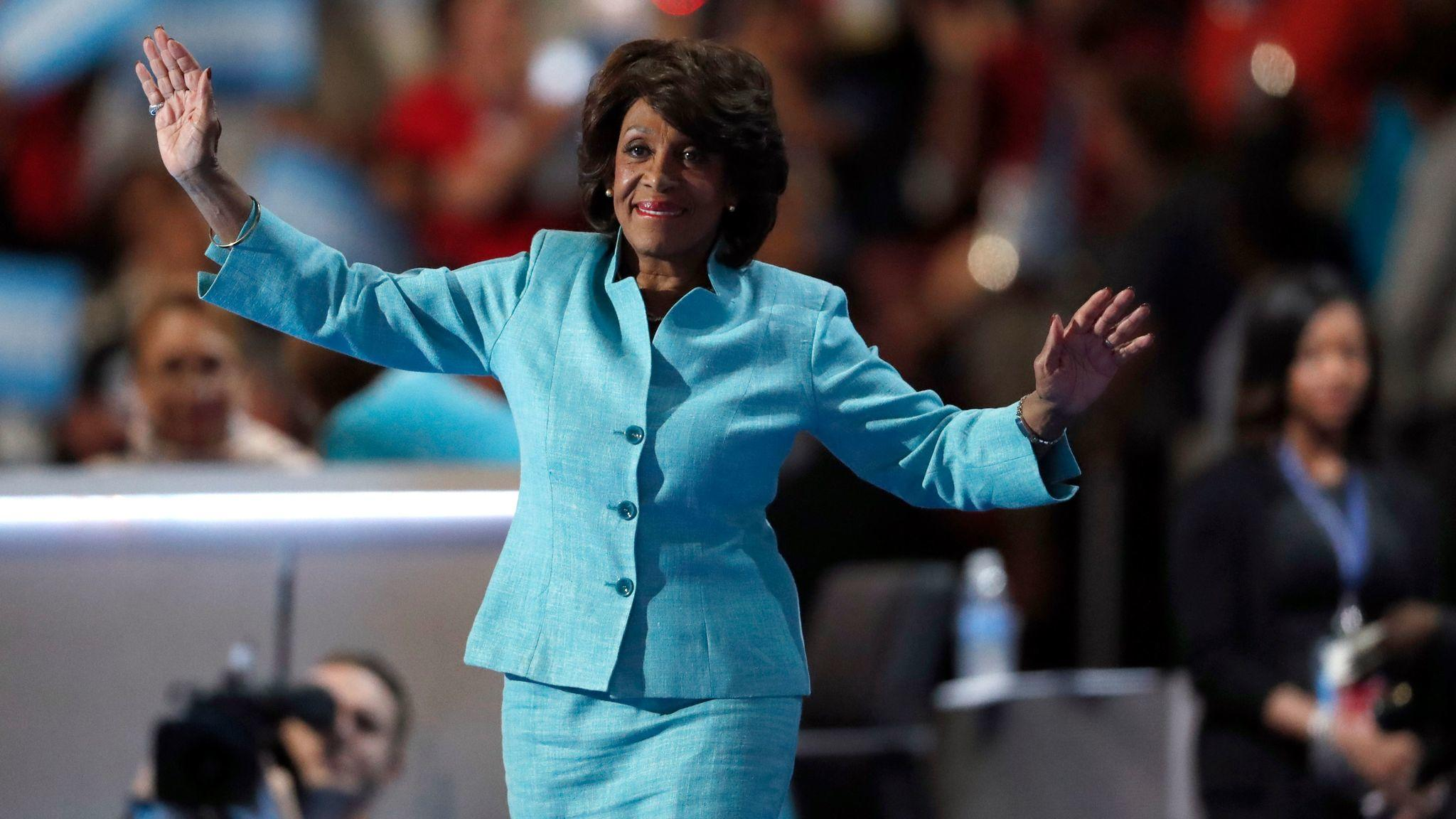 How Maxine Waters Became Auntie Maxine In The Age Of Trump Los Angeles Times