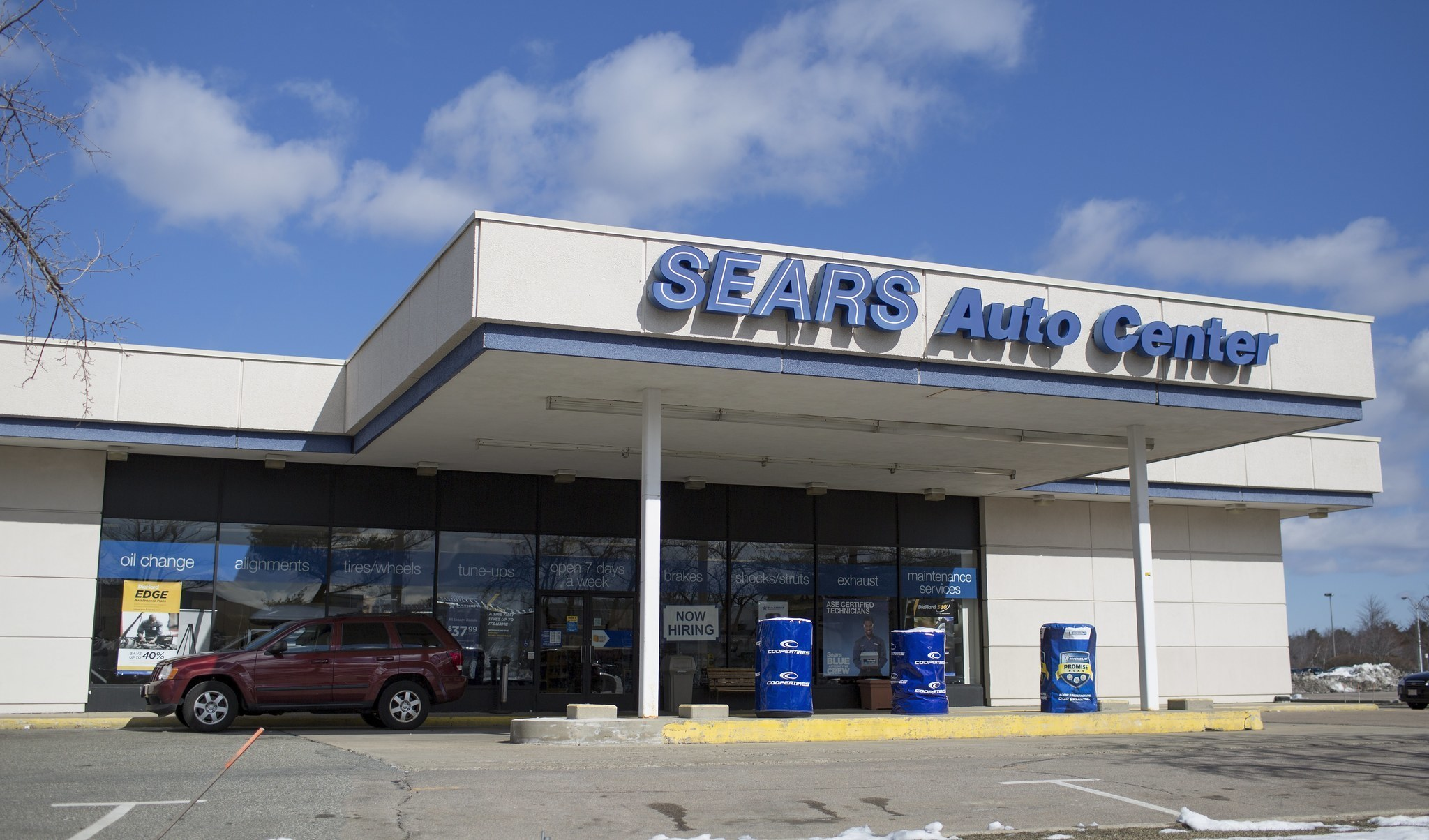 sears to close 50 auto centers 92 kmart pharmacies to cut costs