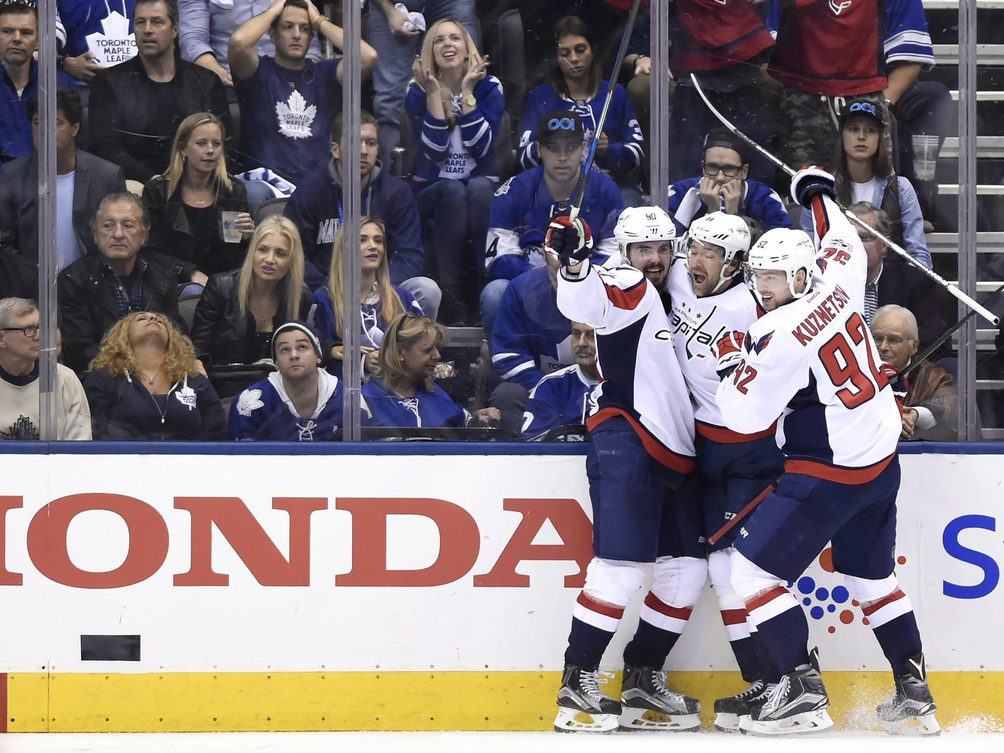 46e3e6554 Playoff hockey is stupid  but the right team won that Capitals-Maple Leafs  game - Chicago Tribune
