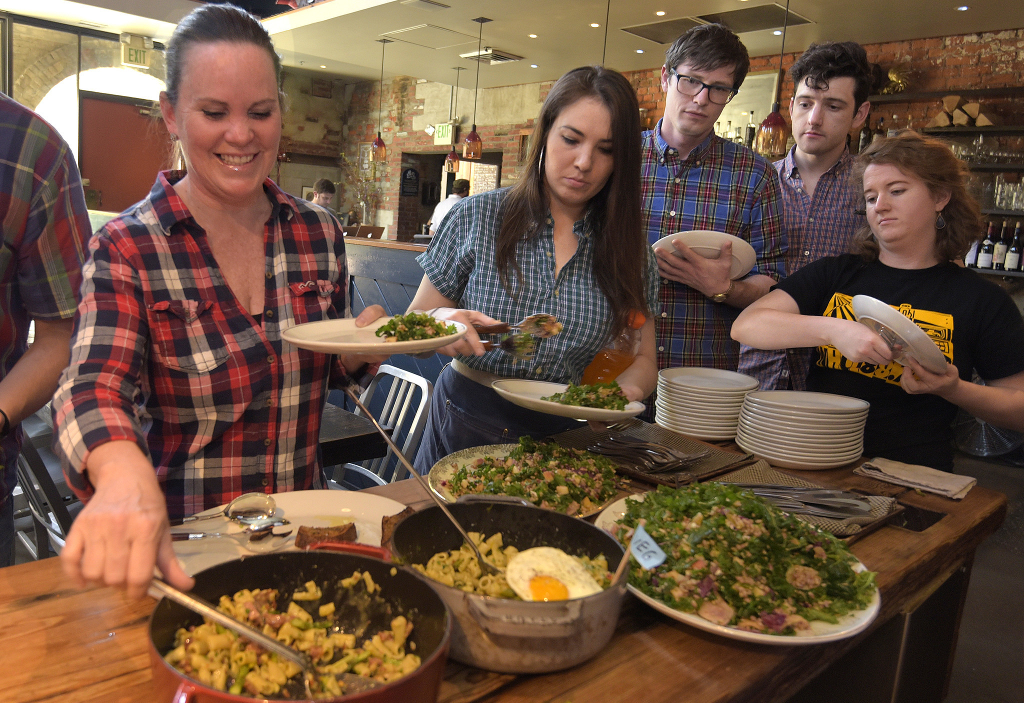 Baltimore Restaurant Staffs Bond Get Creative With Family Meal