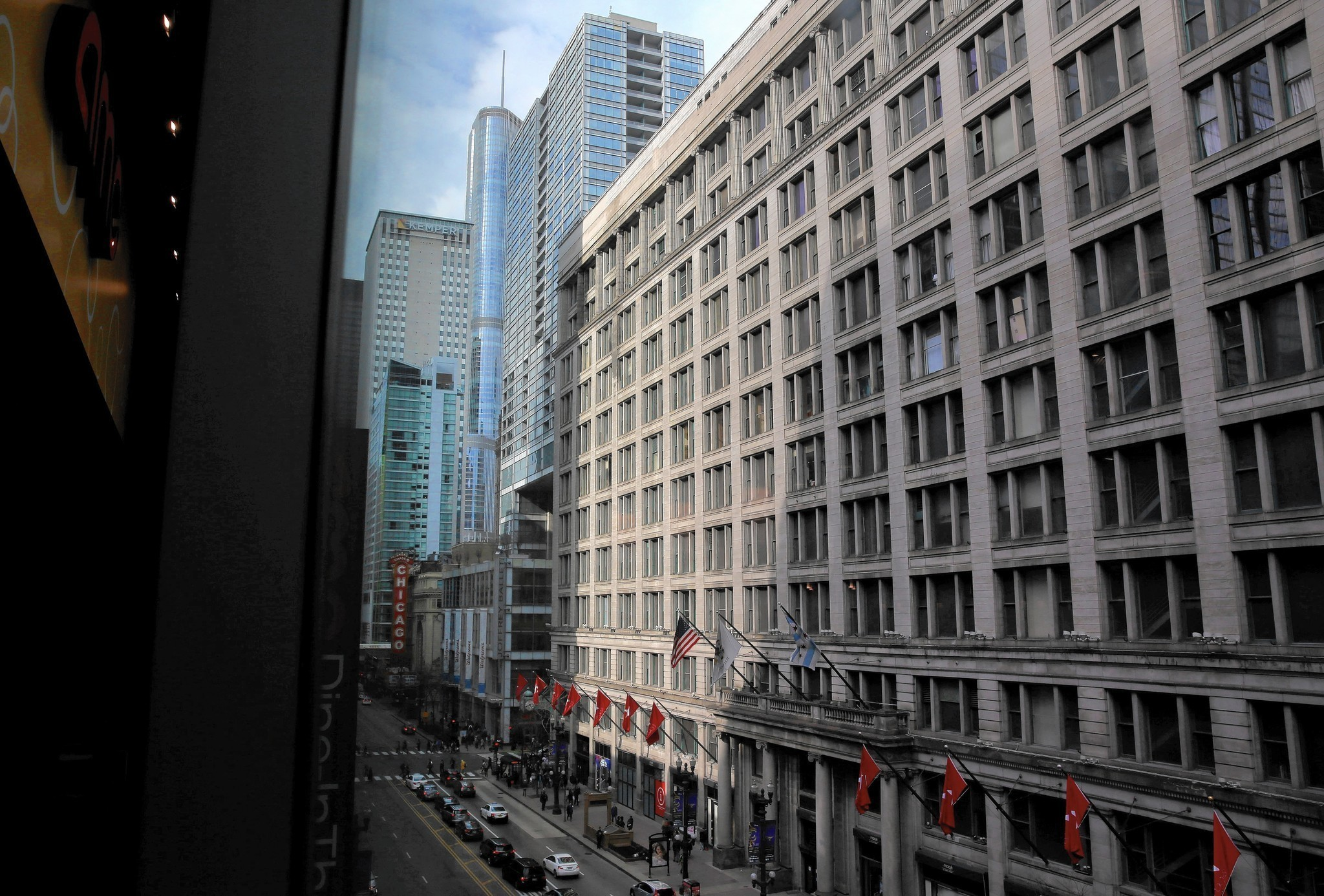 7ddc242e5 Macy s puts State Street flagship up for sale — at least the top half of it  - Chicago Tribune
