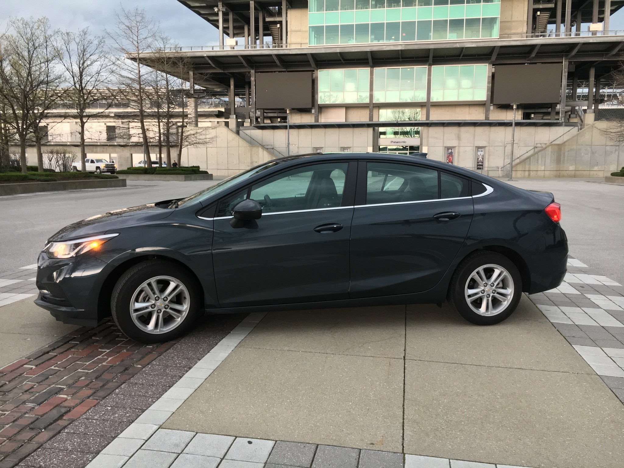How The 2017 Chevrolet Cruze Diesel Gets 52 Mpg   Autos Post