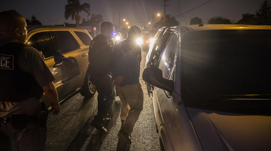 Amid fear and resistance, immigration agents in L.A. have not ramped up arrests